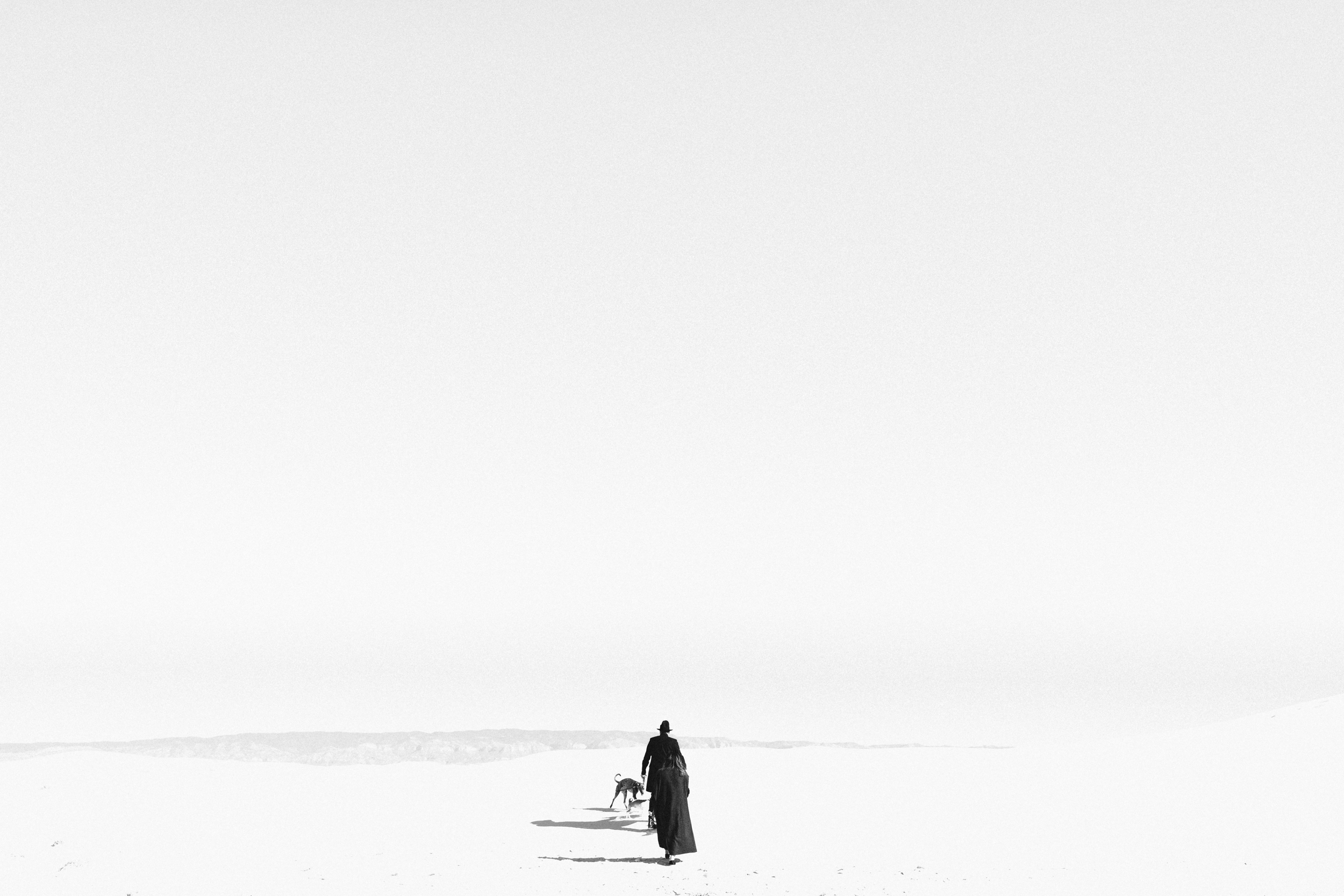 ©Isaiah & Taylor Photography - White Sands Natioanl Monument, New Mexico Engagement-003.jpg