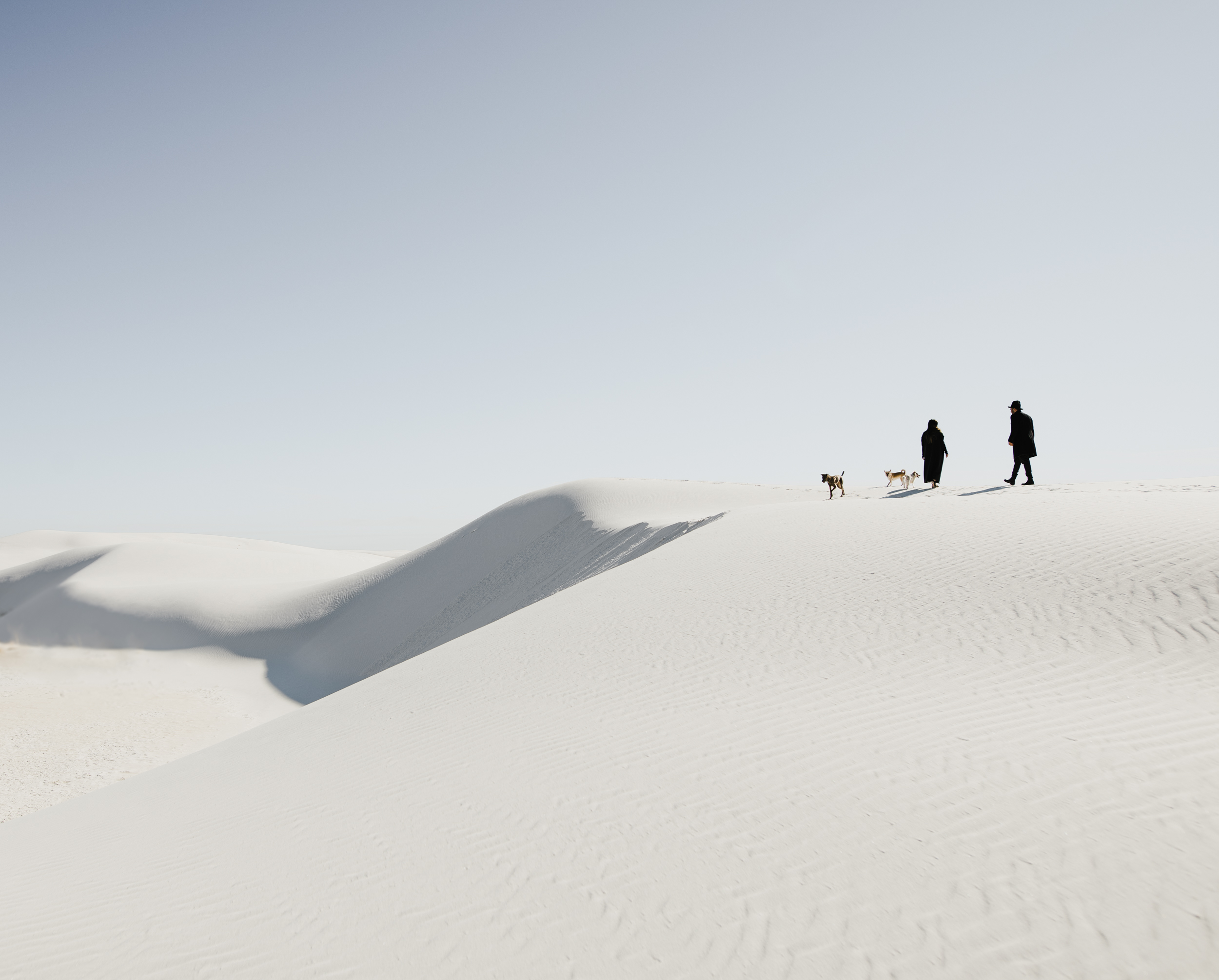 ©Isaiah & Taylor Photography - White Sands Natioanl Monument, New Mexico Engagement-006.jpg
