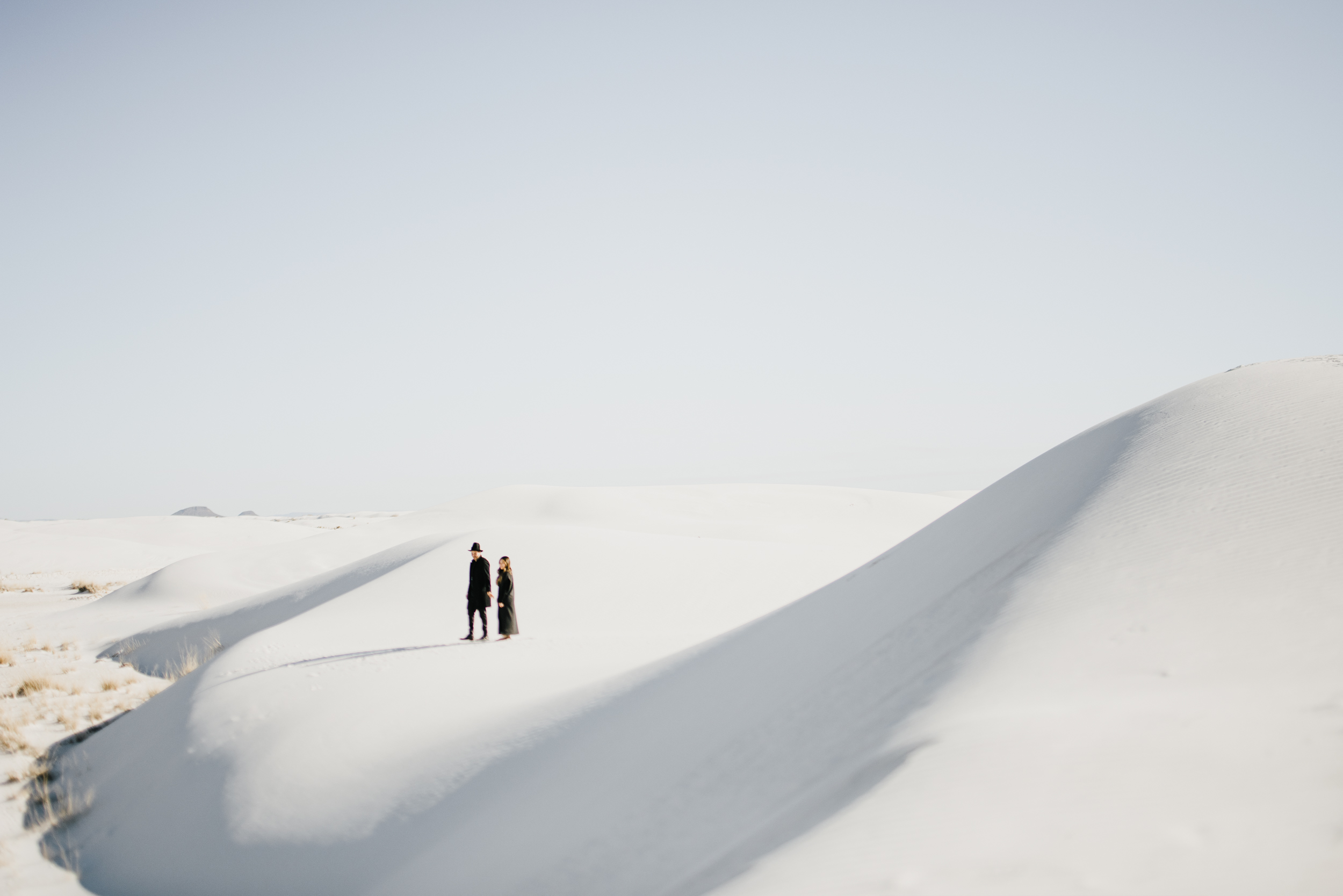 ©Isaiah & Taylor Photography - White Sands Natioanl Monument, New Mexico Engagement-013.jpg