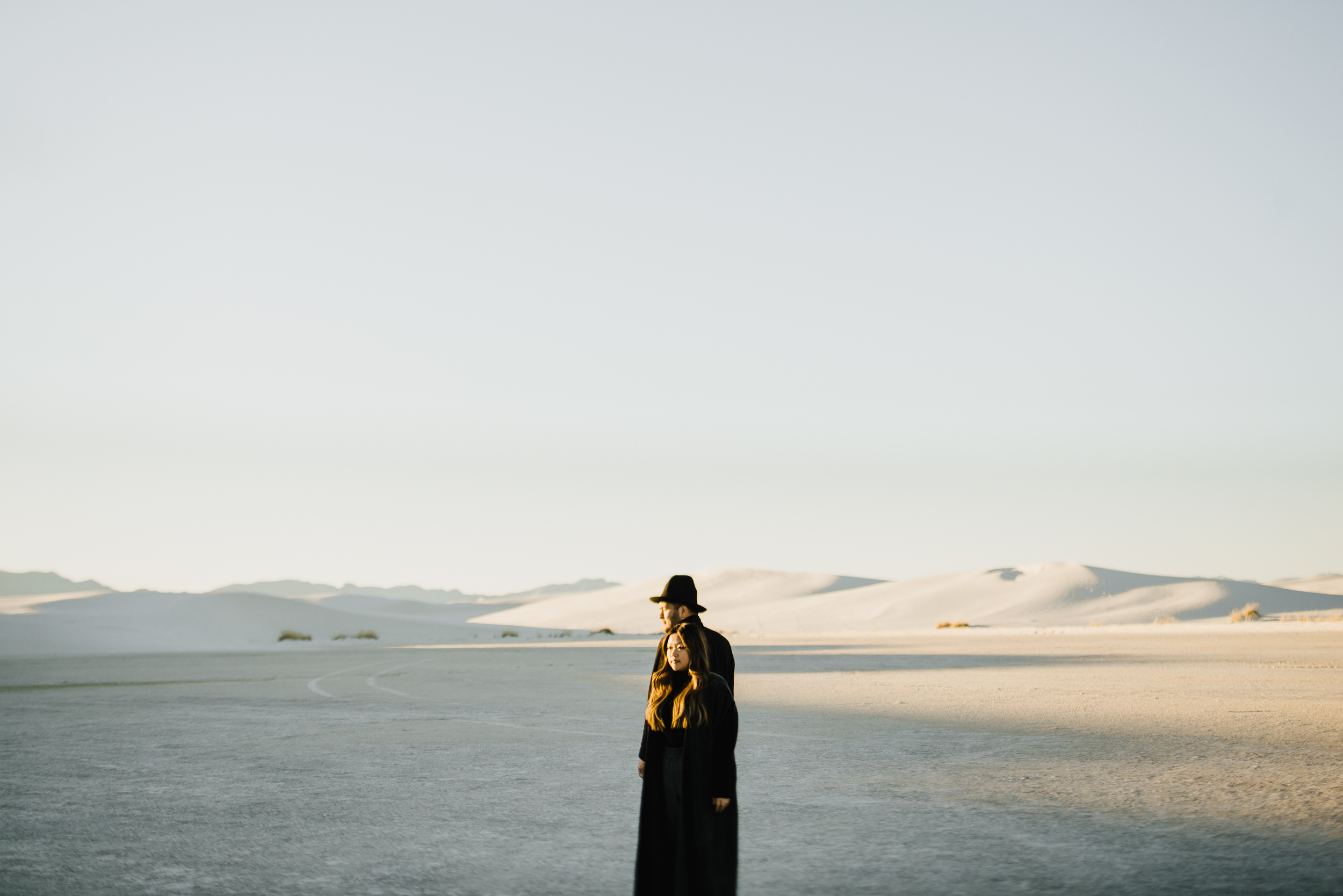 ©Isaiah & Taylor Photography - White Sands Natioanl Monument, New Mexico Engagement-054.jpg