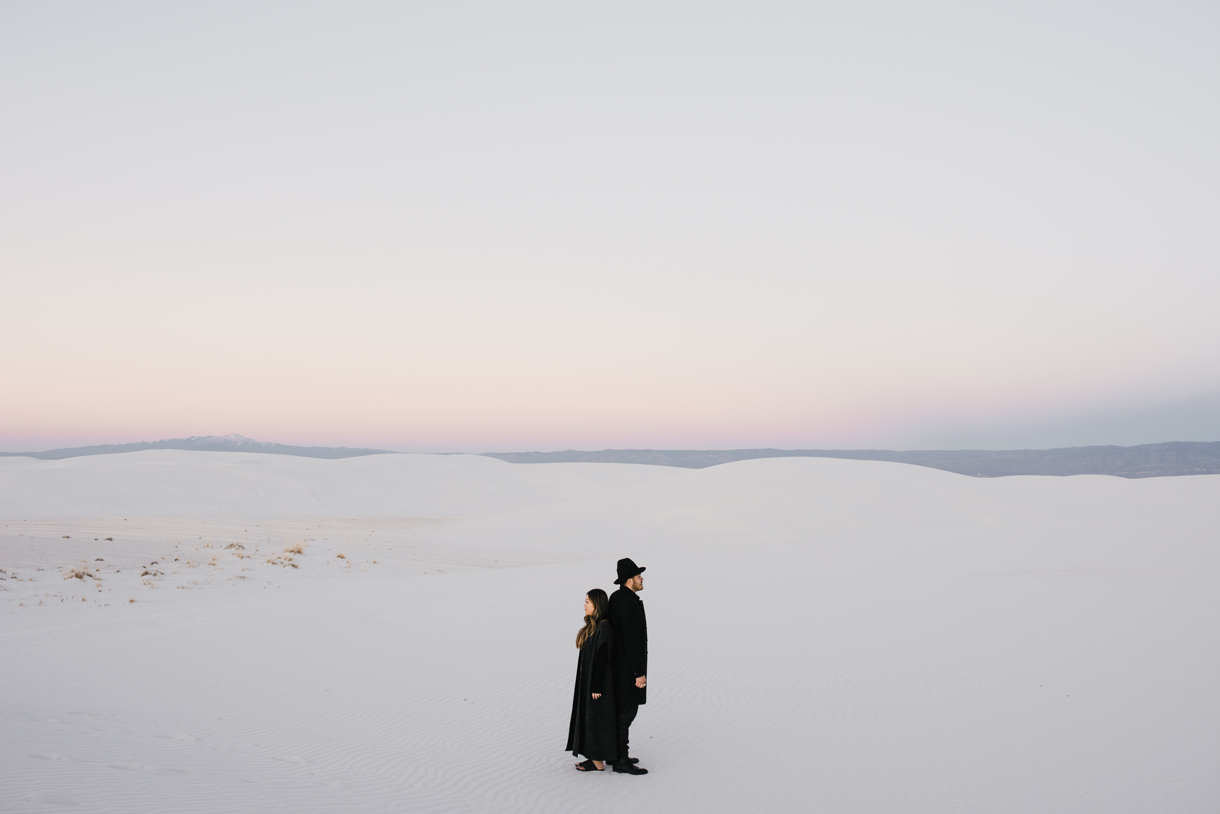 ©Isaiah & Taylor Photography - White Sands Natioanl Monument, New Mexico Engagement-066.jpg