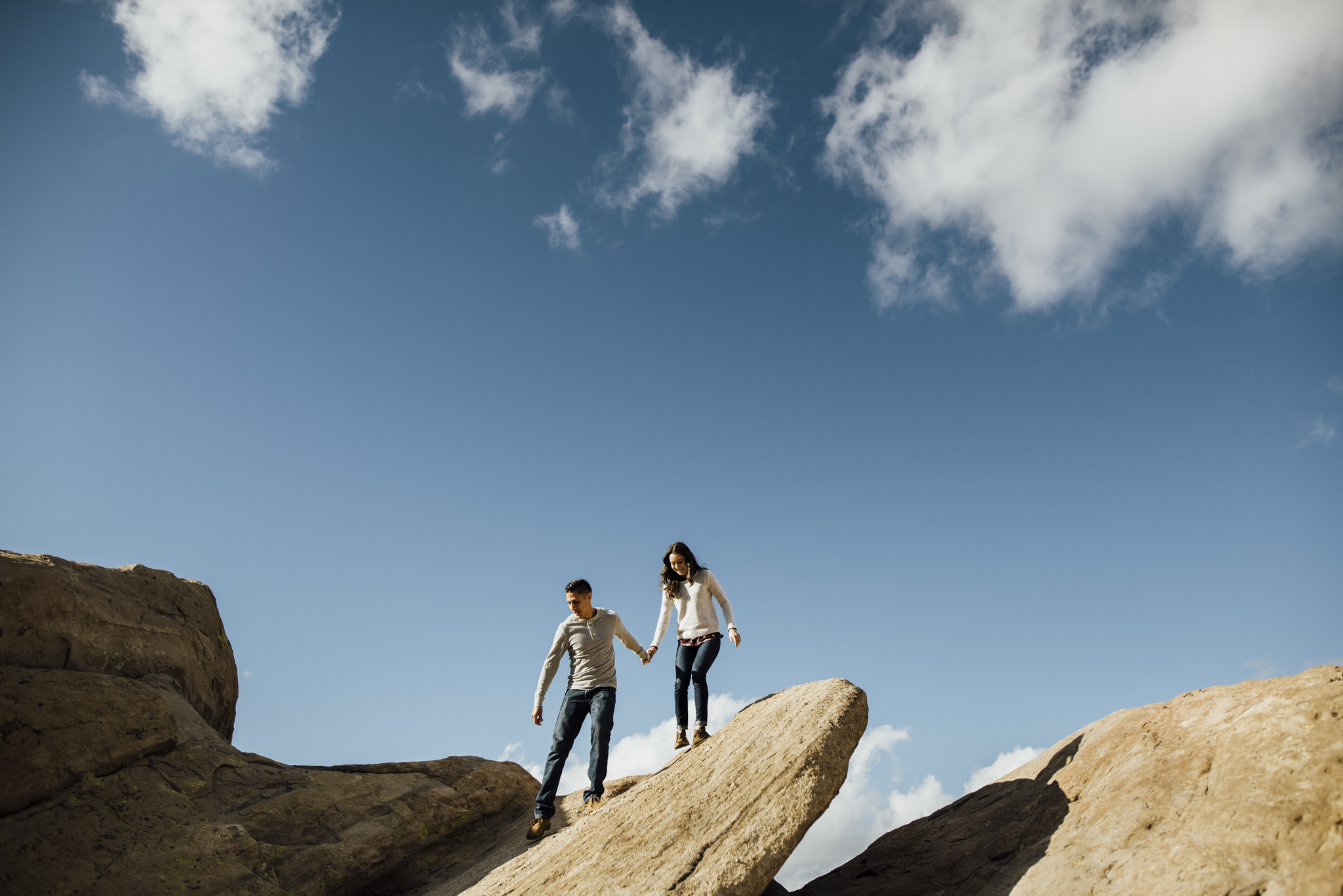 ©Isaiah-&-Taylor-Photography---Vasquez-Rocks-Engagement-007.jpg