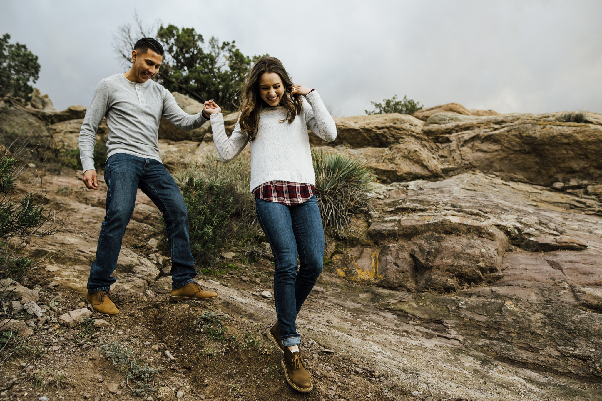 ©Isaiah-&-Taylor-Photography---Vasquez-Rocks-Engagement-015.jpg