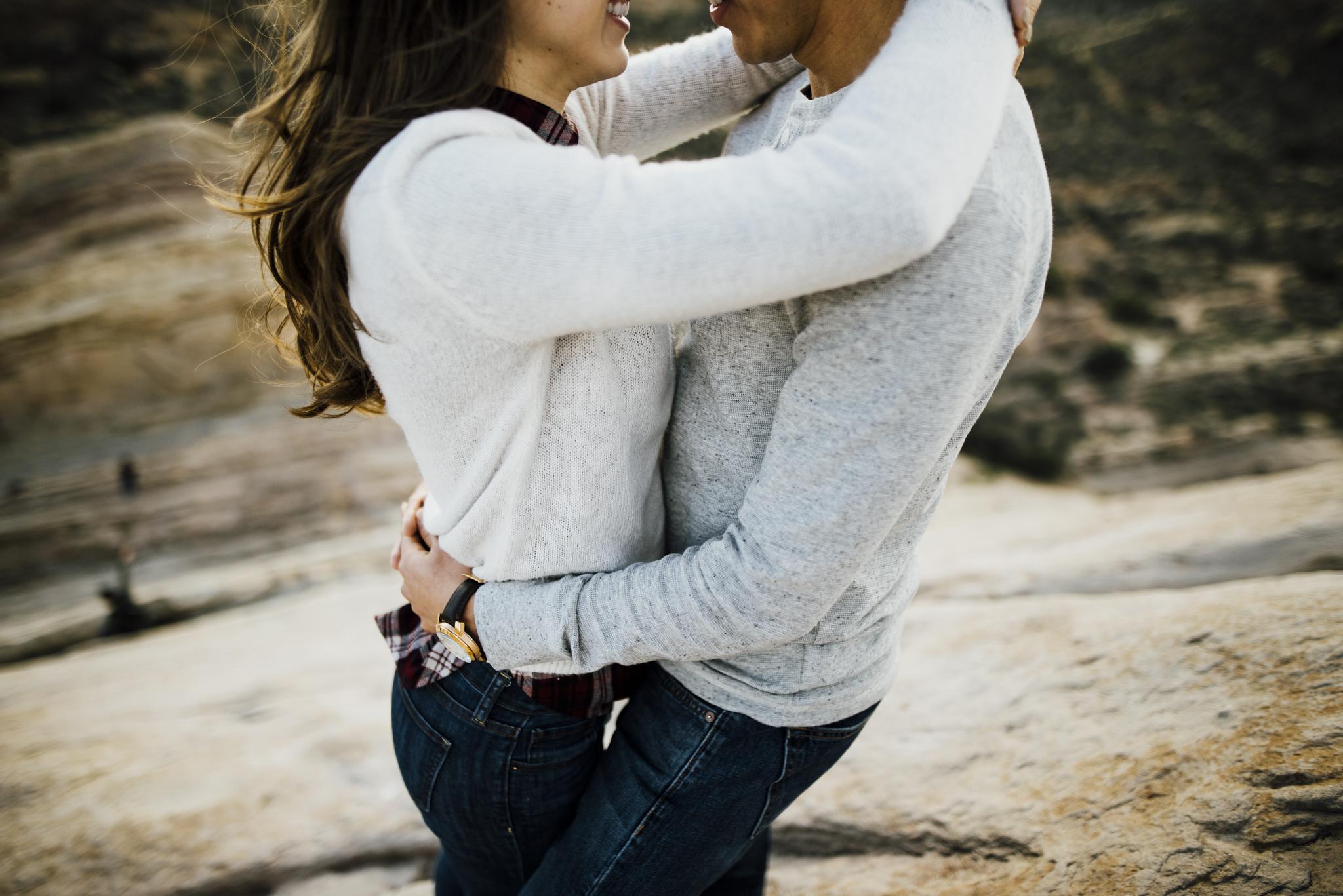 ©Isaiah-&-Taylor-Photography---Vasquez-Rocks-Engagement-024.jpg