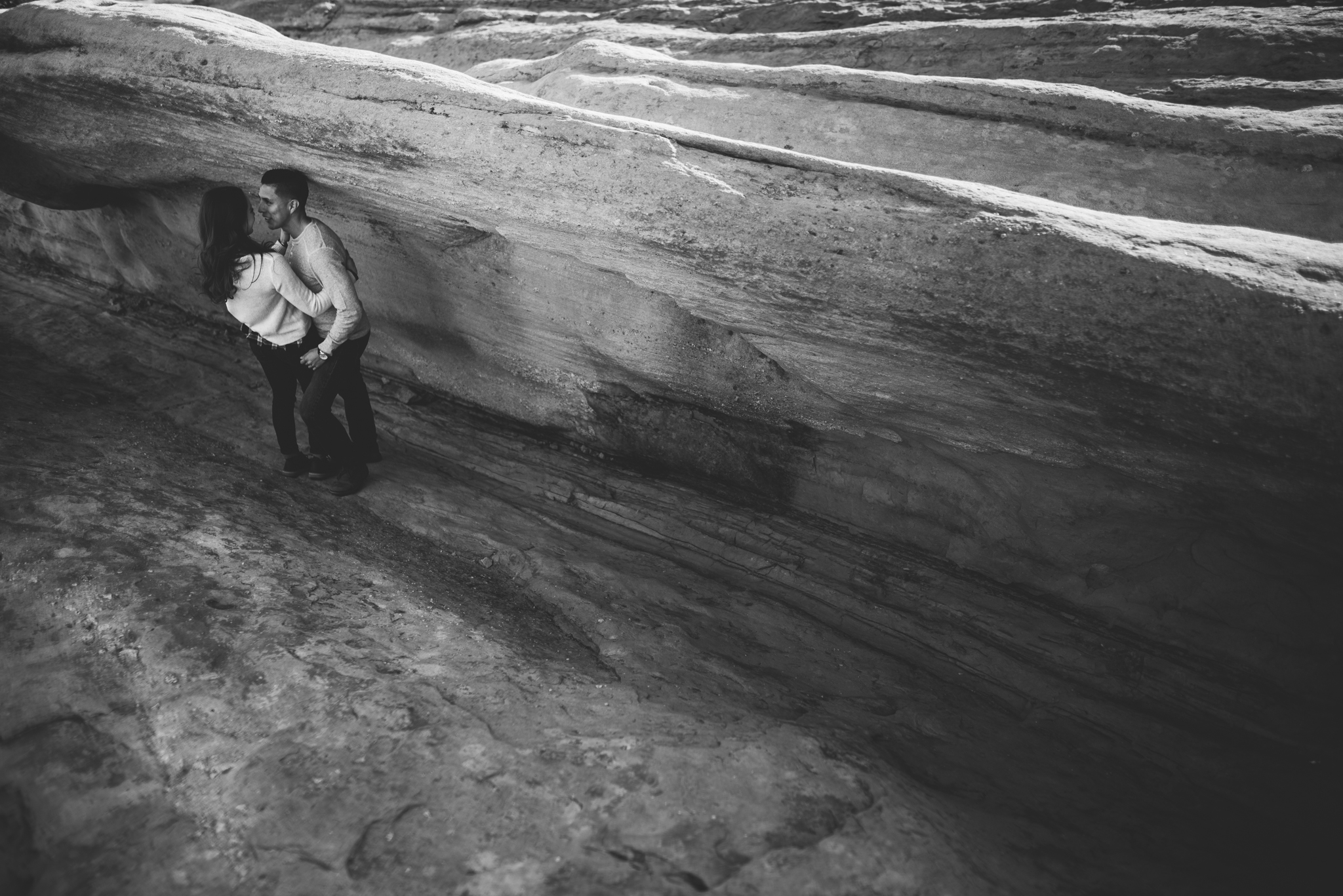©Isaiah-&-Taylor-Photography---Vasquez-Rocks-Engagement-030.jpg