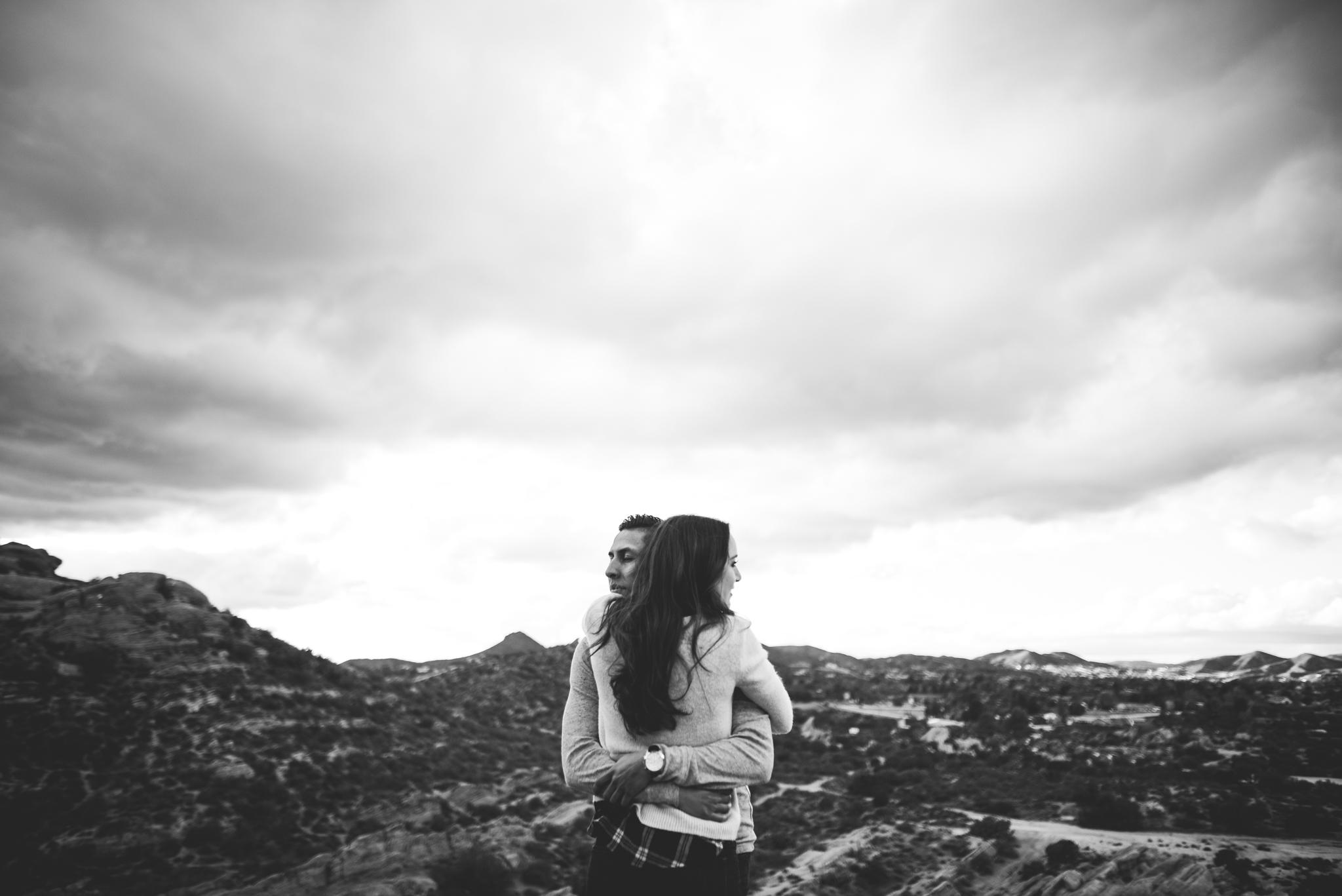 ©Isaiah-&-Taylor-Photography---Vasquez-Rocks-Engagement-033.jpg