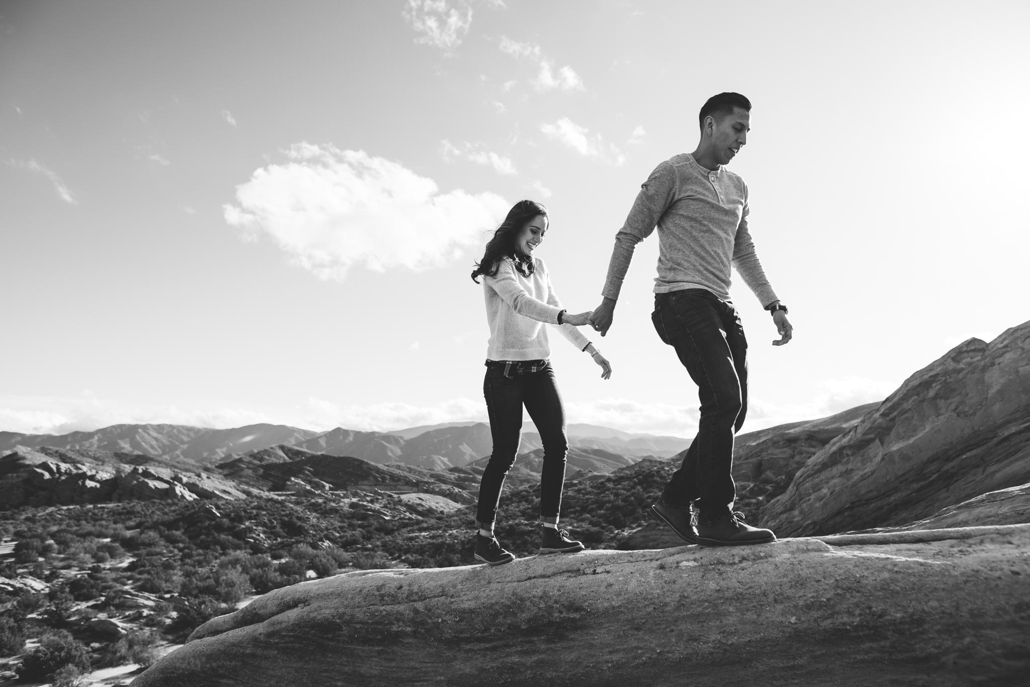 ©Isaiah-&-Taylor-Photography---Vasquez-Rocks-Engagement-034.jpg
