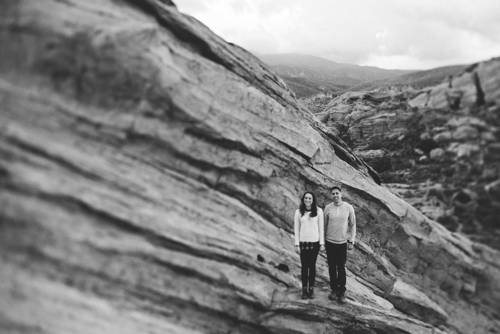 ©Isaiah-&-Taylor-Photography---Vasquez-Rocks-Engagement-035.jpg