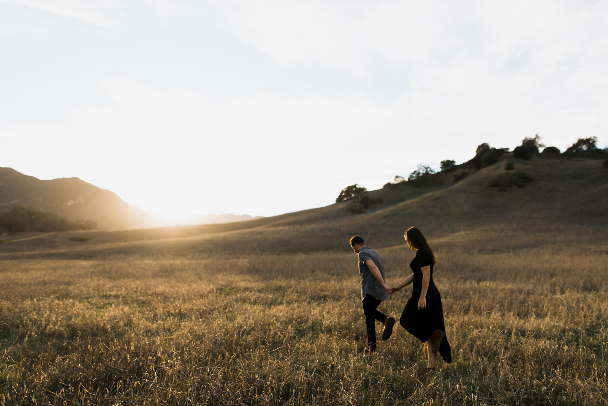 ©Isaiah-&-Taylor-Photography---Malibu-Field-Engagement,-Southern-California-Wedding-Photographer-009.jpg