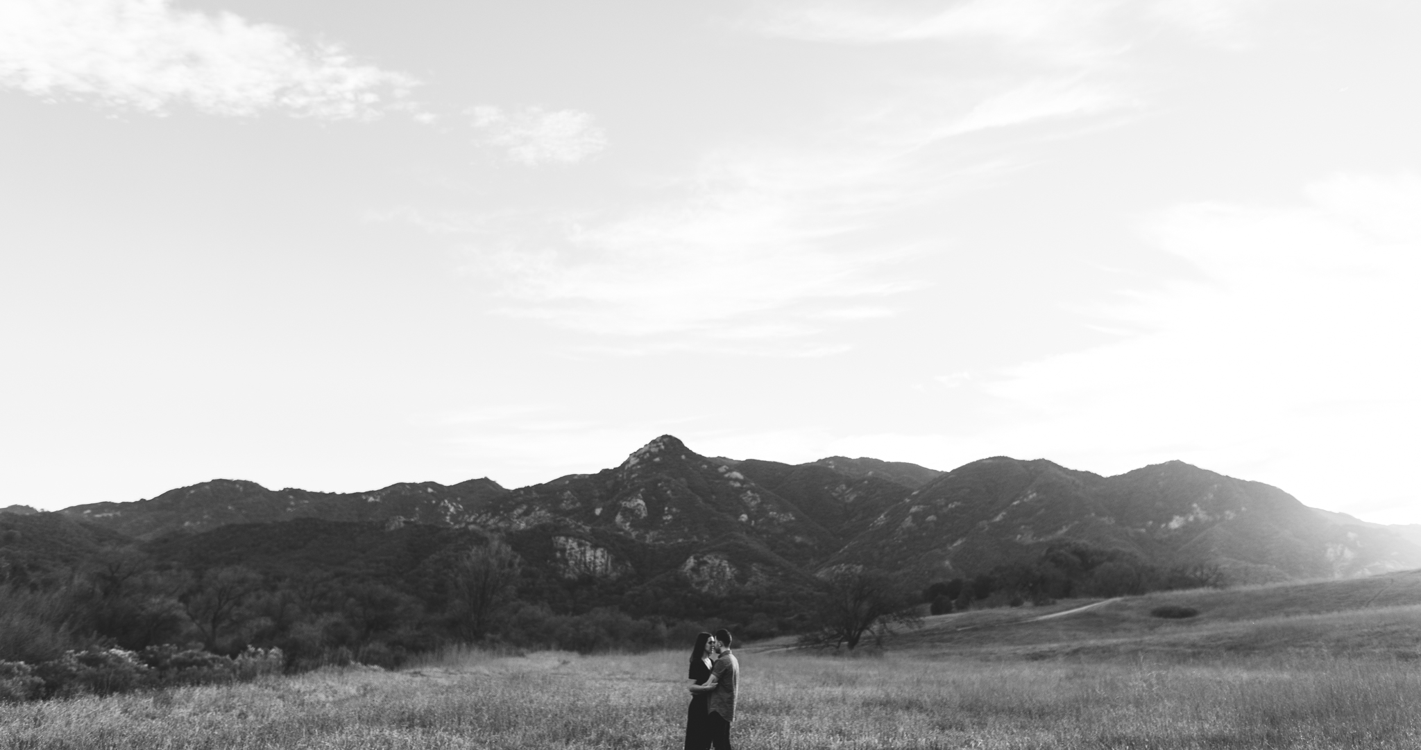 ©Isaiah-&-Taylor-Photography---Malibu-Field-Engagement,-Southern-California-Wedding-Photographer-012.jpg