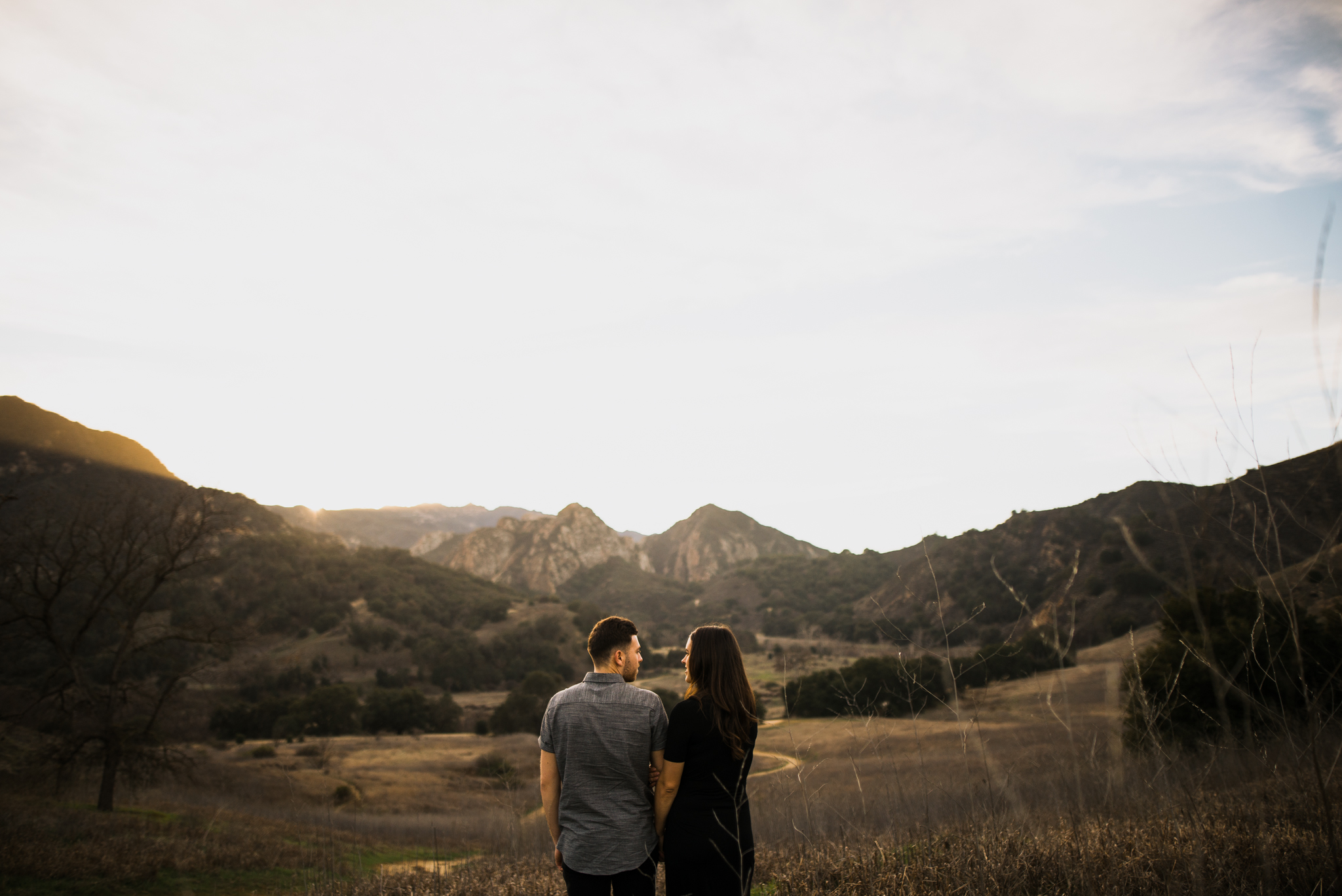 ©Isaiah-&-Taylor-Photography---Malibu-Field-Engagement,-Southern-California-Wedding-Photographer-015.jpg