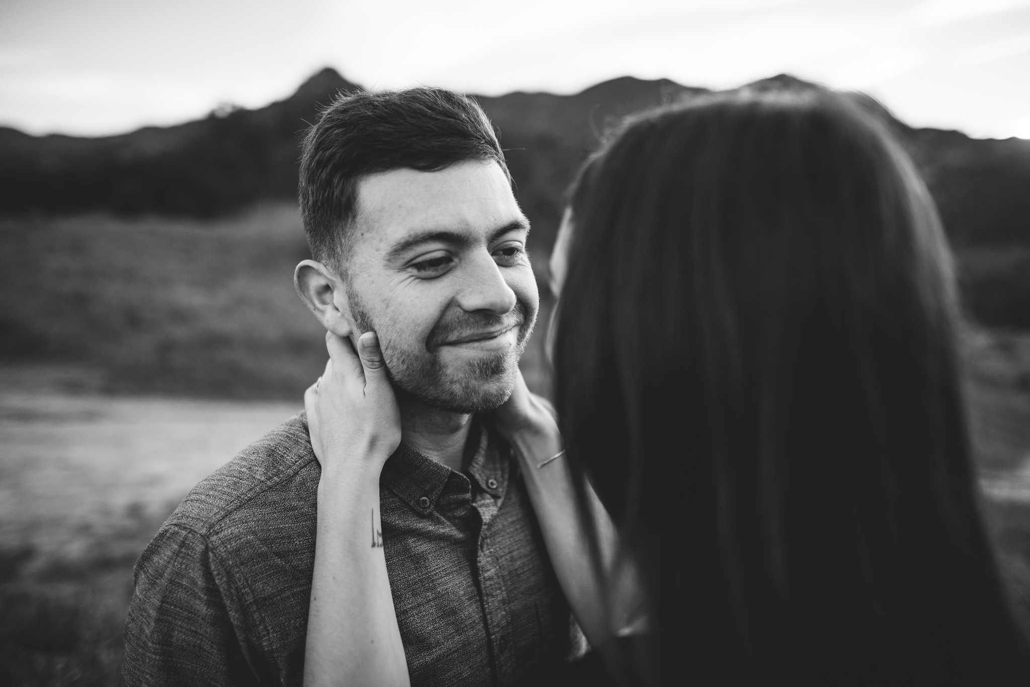 ©Isaiah-&-Taylor-Photography---Malibu-Field-Engagement,-Southern-California-Wedding-Photographer-017.jpg