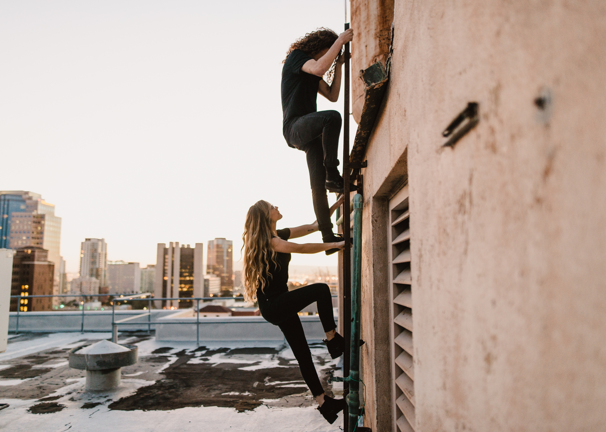 ©Isaiah-&-Taylor-Photography---Urban-Rooftop-Engagement,-Los-Angeles-Wedding-Photographer-049.jpg