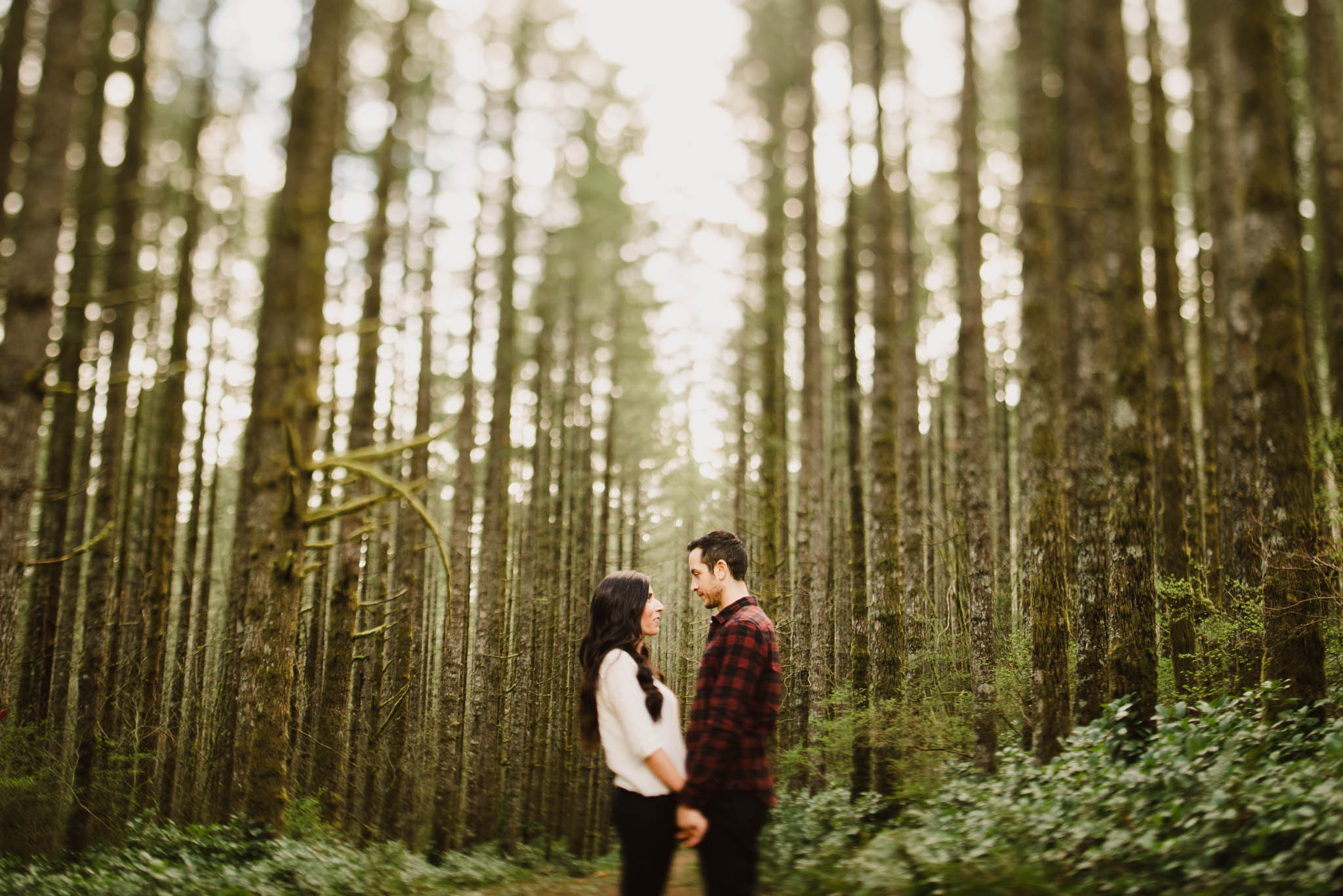 ©Isaiah-&-Taylor-Photography---Rattlesnake-Ledge-Trail-Engagement,-Seattle-Washington-007.jpg