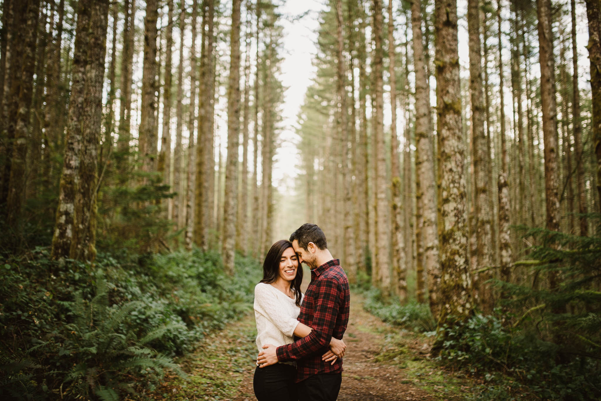 ©Isaiah-&-Taylor-Photography---Rattlesnake-Ledge-Trail-Engagement,-Seattle-Washington-017.jpg