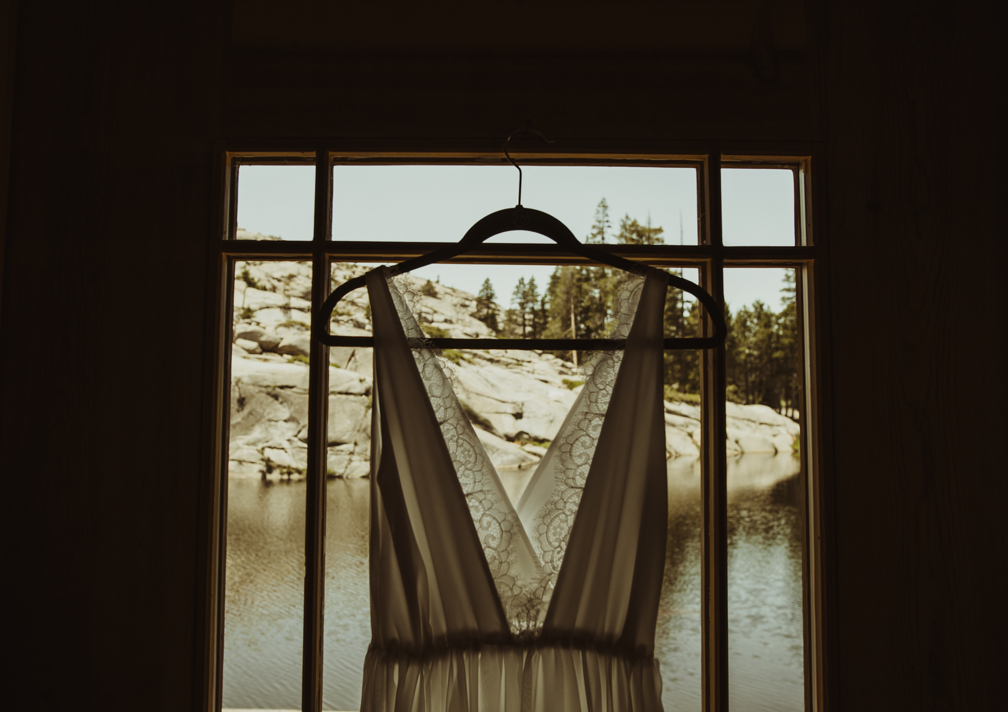 ©Isaiah & Taylor Photography -The Hideout Wedding, Kirkwood California, Lake Tahoe Wedding Photographer-52.jpg