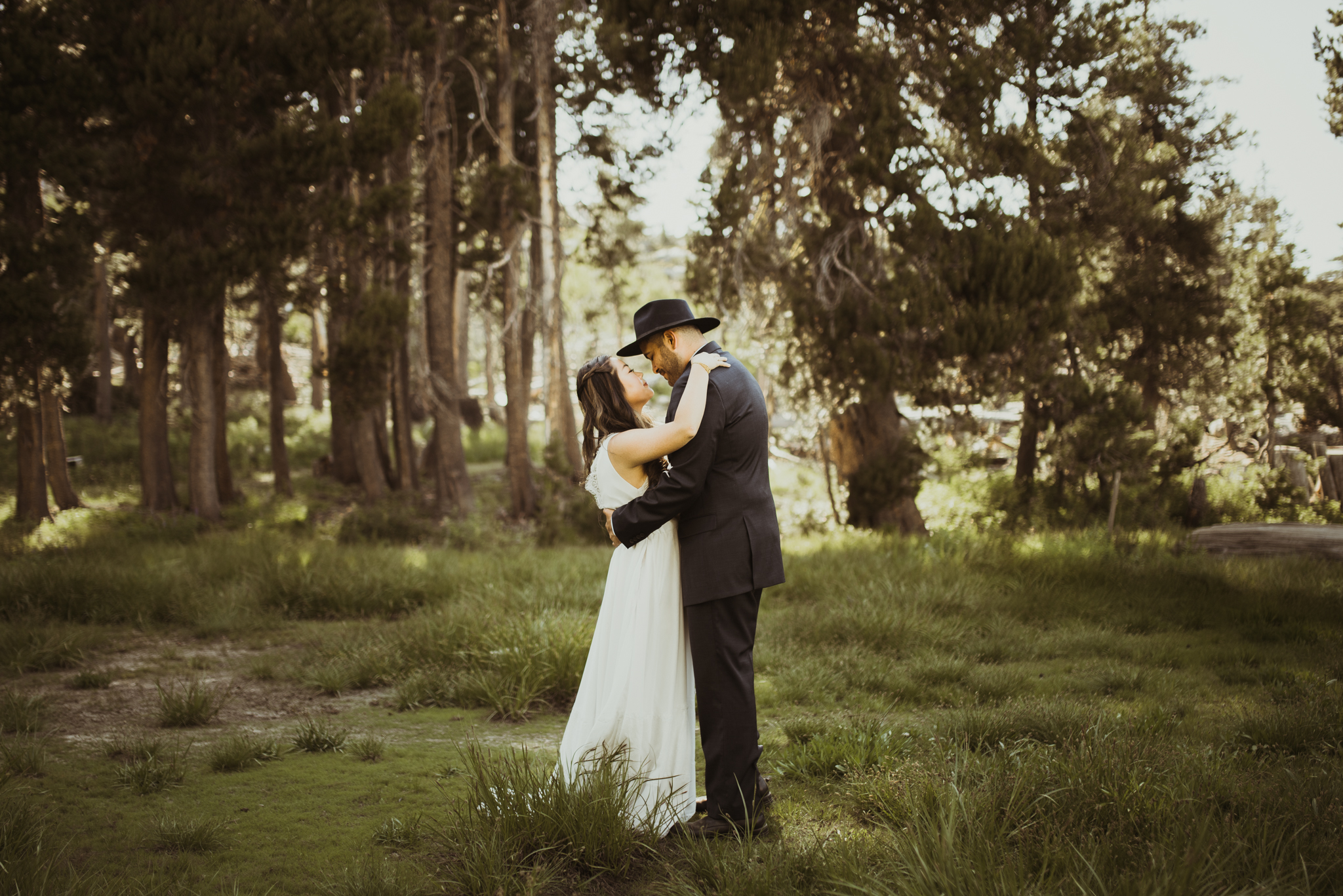 ©Isaiah & Taylor Photography -The Hideout Wedding, Kirkwood California, Lake Tahoe Wedding Photographer-108.jpg