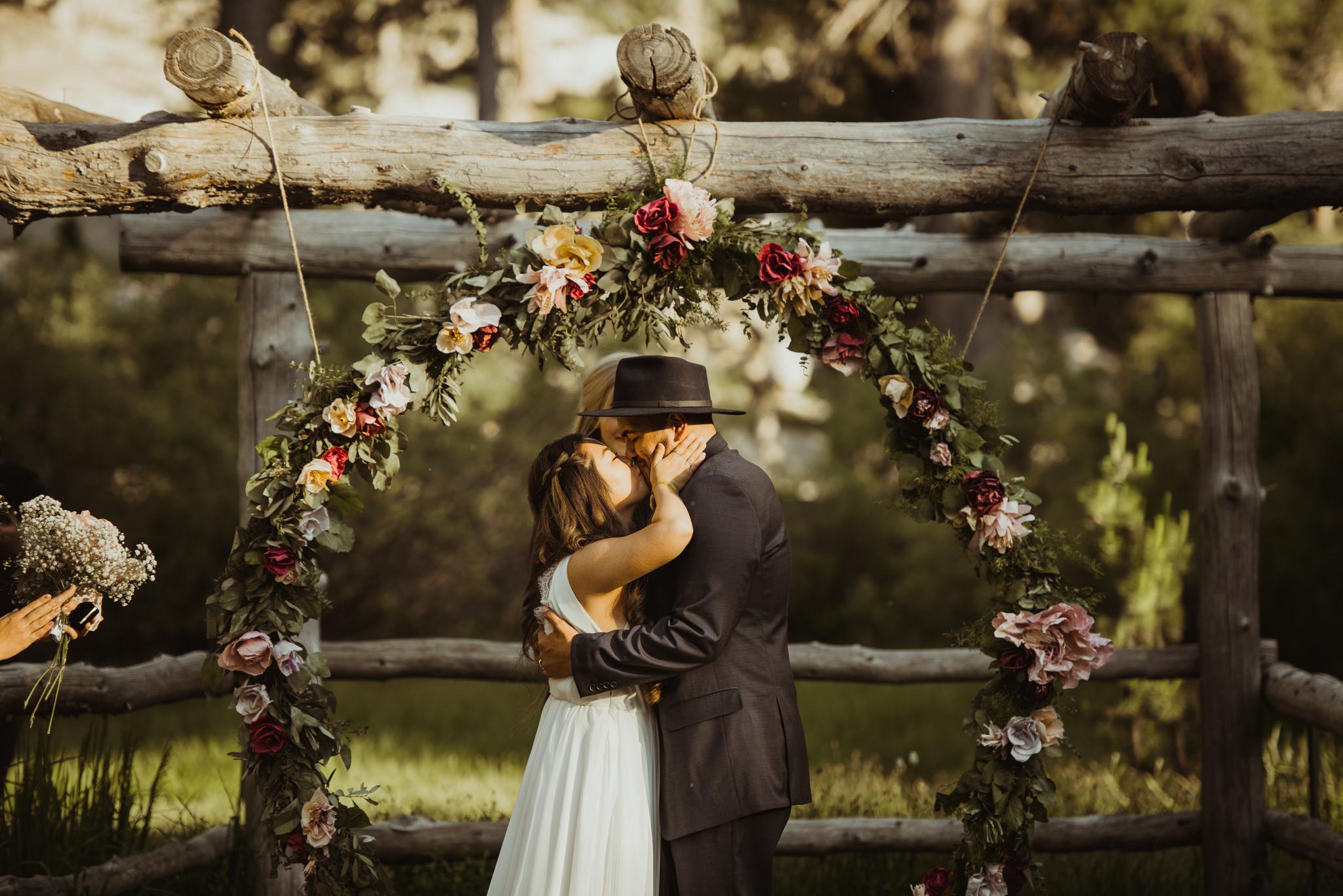 ©Isaiah & Taylor Photography -The Hideout Wedding, Kirkwood California, Lake Tahoe Wedding Photographer-148.jpg