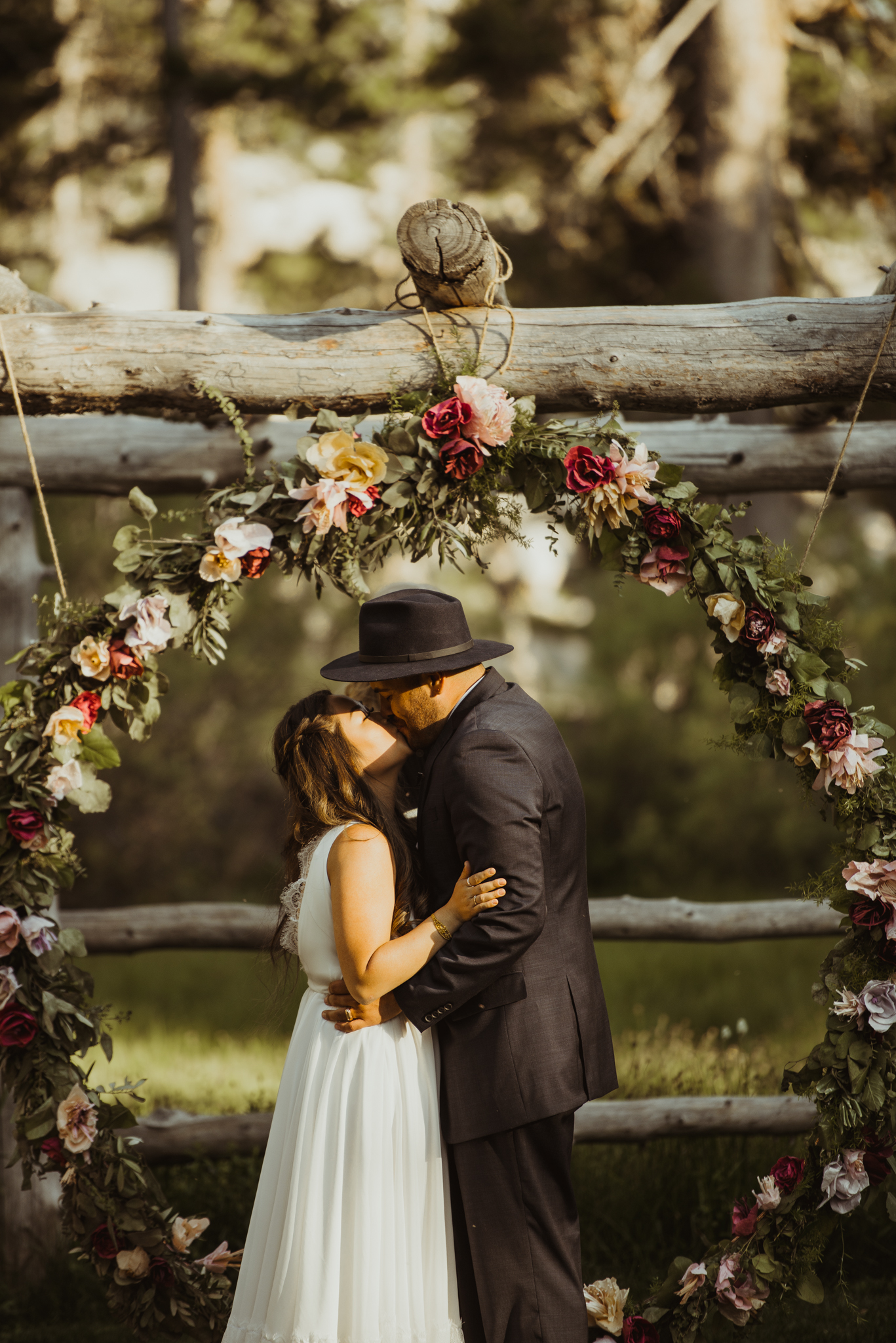 ©Isaiah & Taylor Photography -The Hideout Wedding, Kirkwood California, Lake Tahoe Wedding Photographer-149.jpg