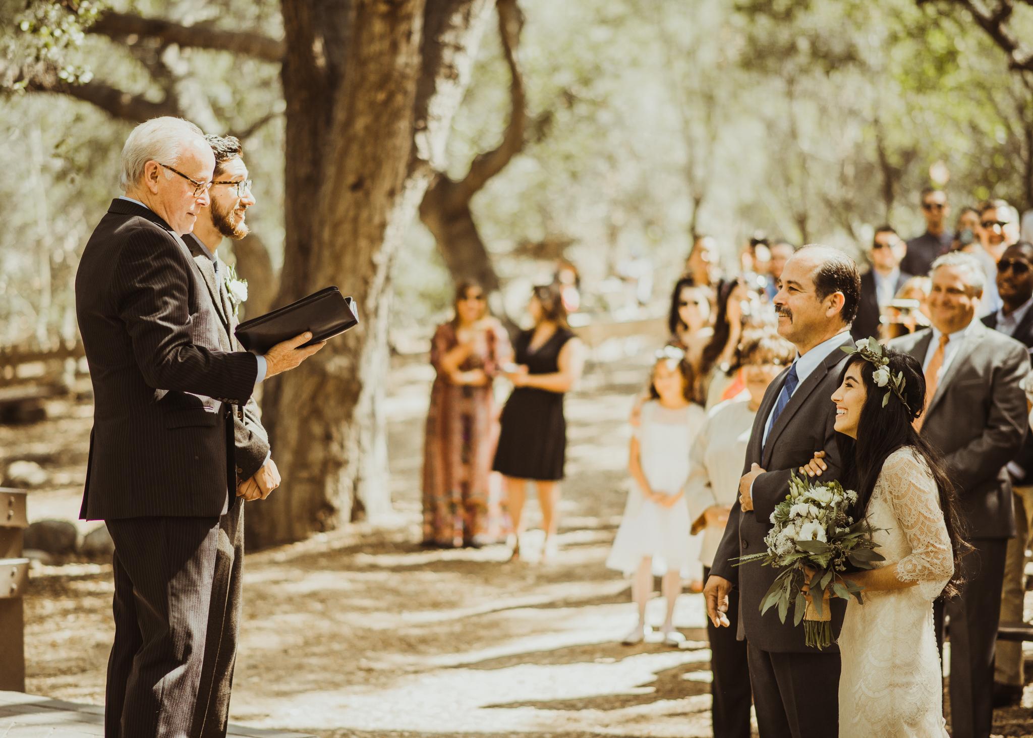 ©Isaiah-&-Taylor-Photography---Oak-Canyon-Nature-Center-Wedding,-Anaheim-Hills-043.jpg