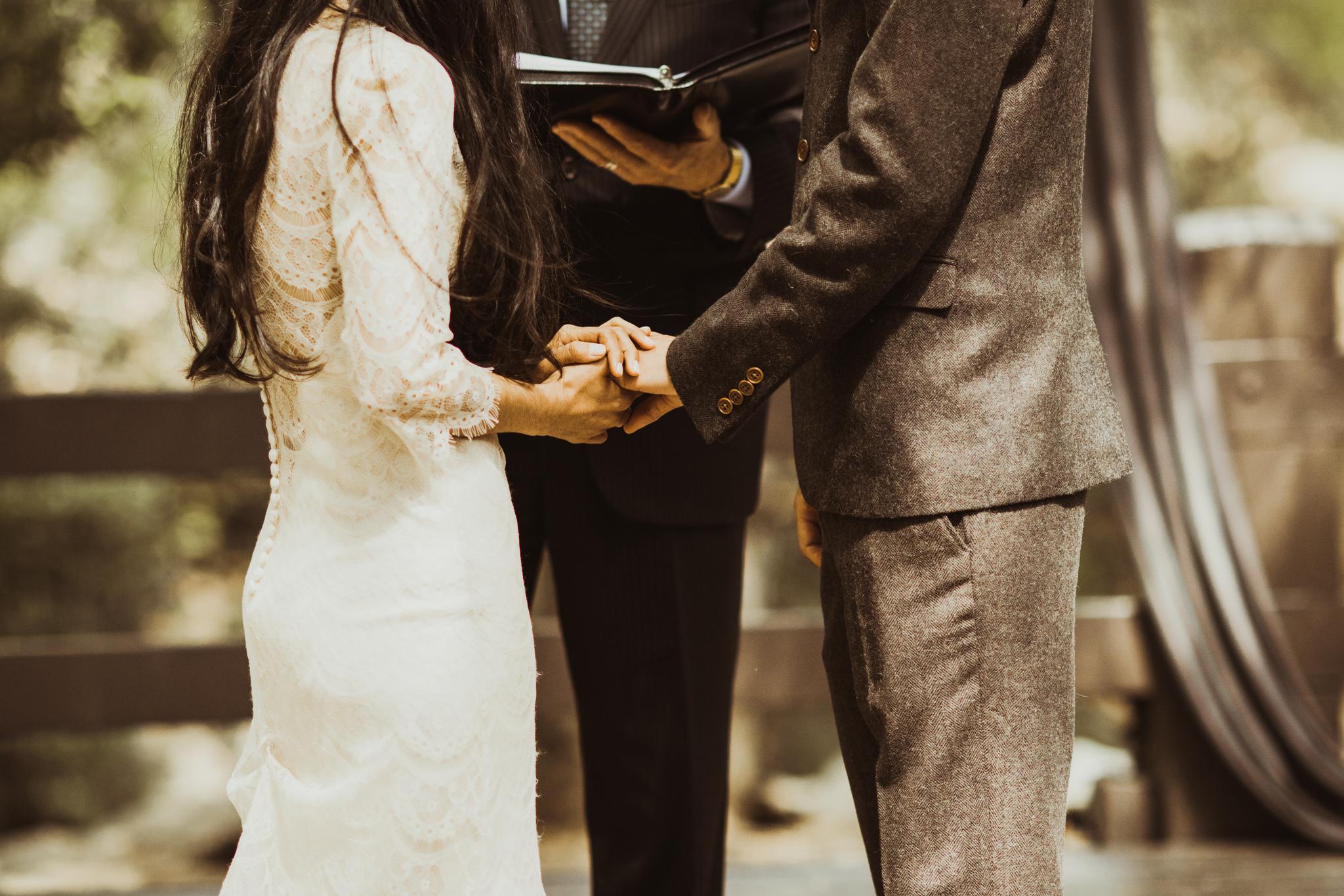 ©Isaiah-&-Taylor-Photography---Oak-Canyon-Nature-Center-Wedding,-Anaheim-Hills-048.jpg