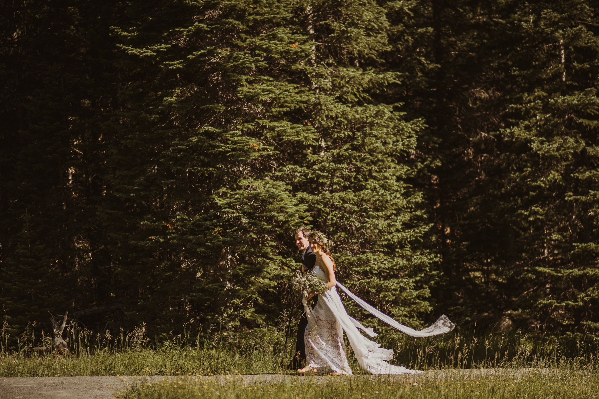 ©Isaiah + Taylor Photography - Estes National Park Adventure Elopement, Colorado Rockies-18.jpg