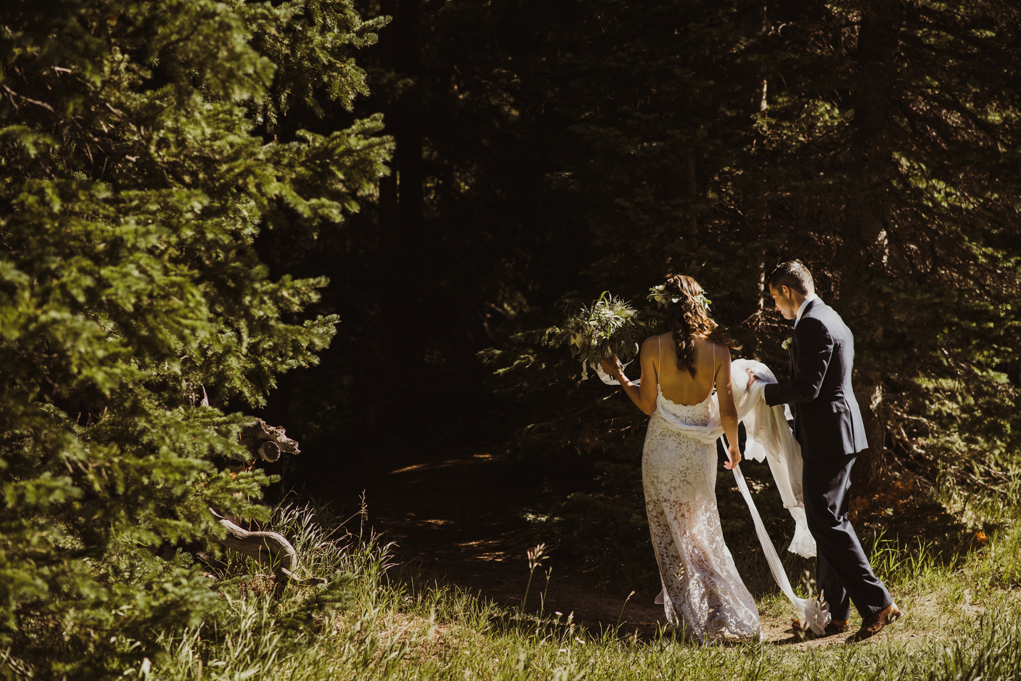 ©Isaiah + Taylor Photography - Estes National Park Adventure Elopement, Colorado Rockies-40.jpg