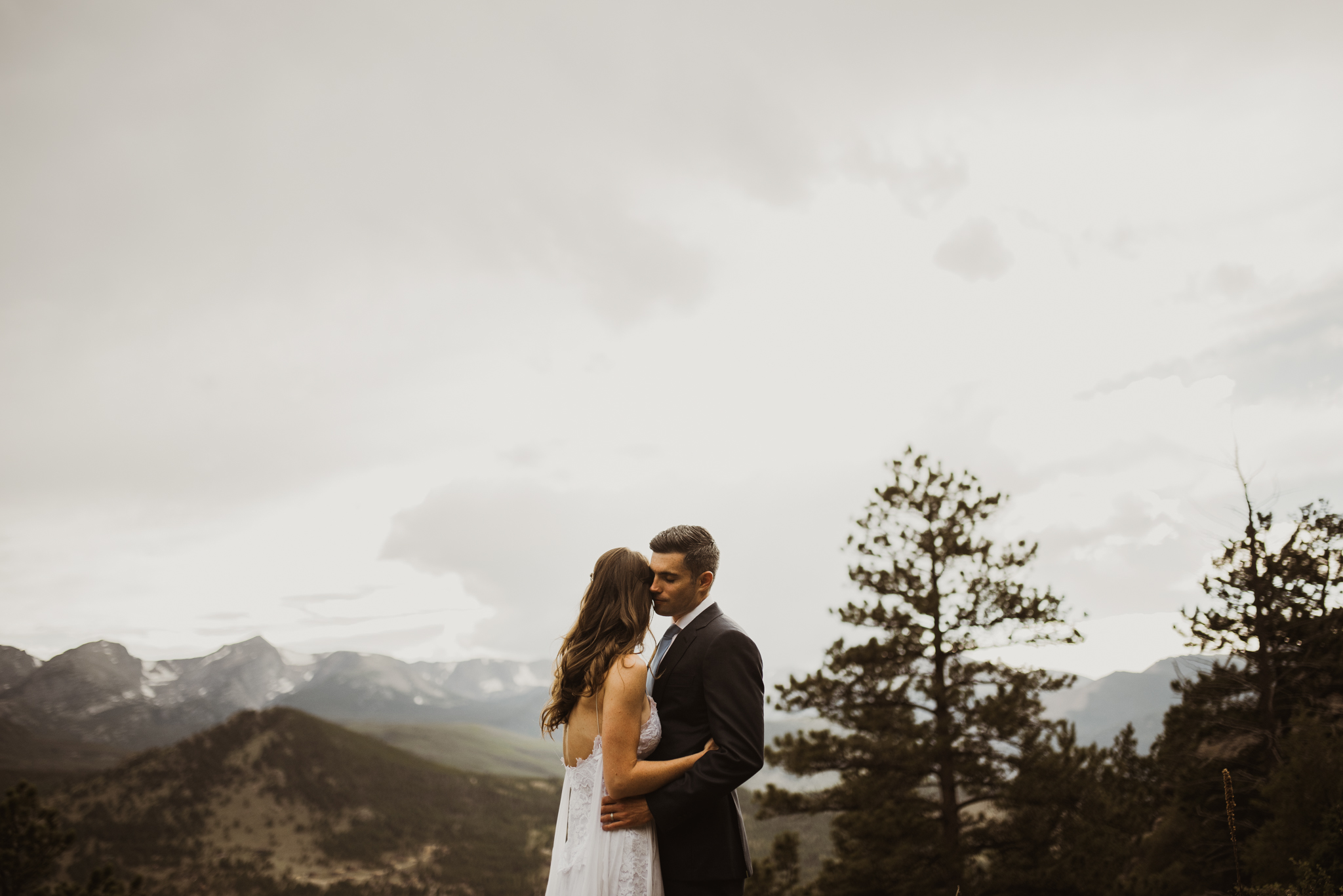 ©Isaiah + Taylor Photography - Estes National Park Adventure Elopement, Colorado Rockies-116.jpg