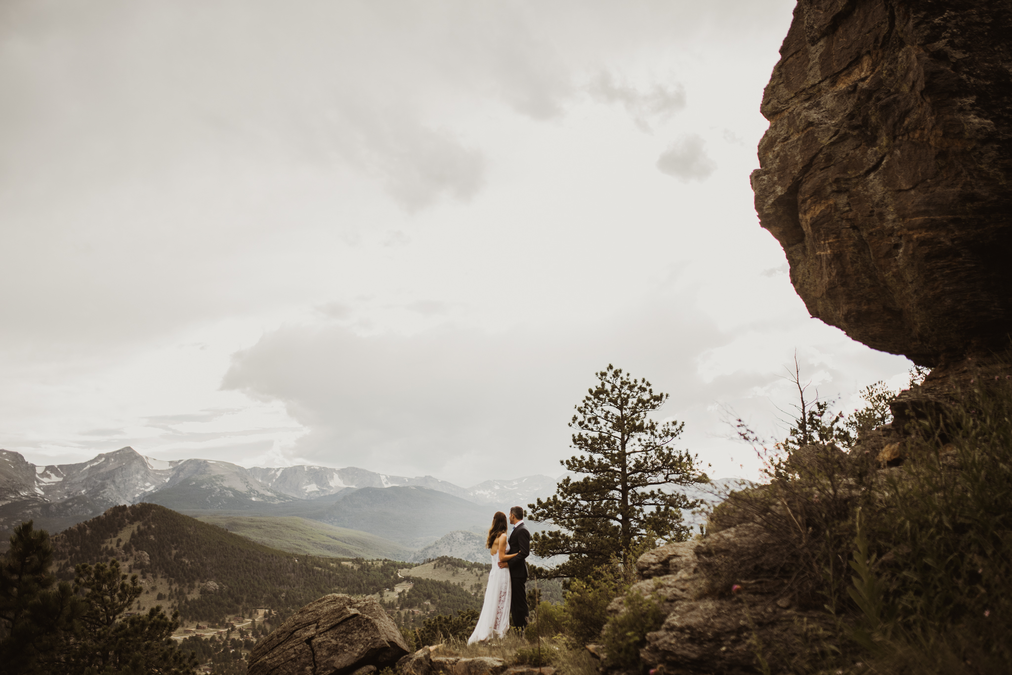 ©Isaiah + Taylor Photography - Estes National Park Adventure Elopement, Colorado Rockies-117.jpg