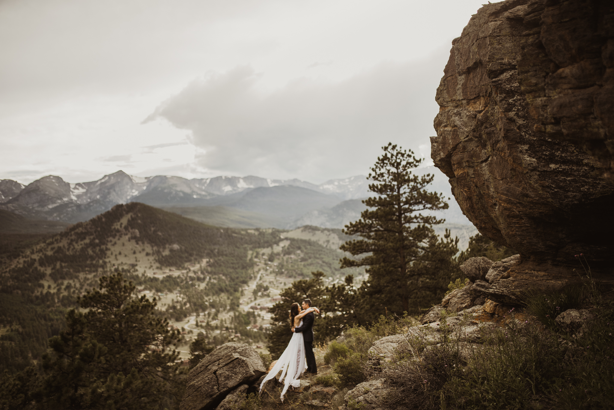 ©Isaiah + Taylor Photography - Estes National Park Adventure Elopement, Colorado Rockies-121.jpg