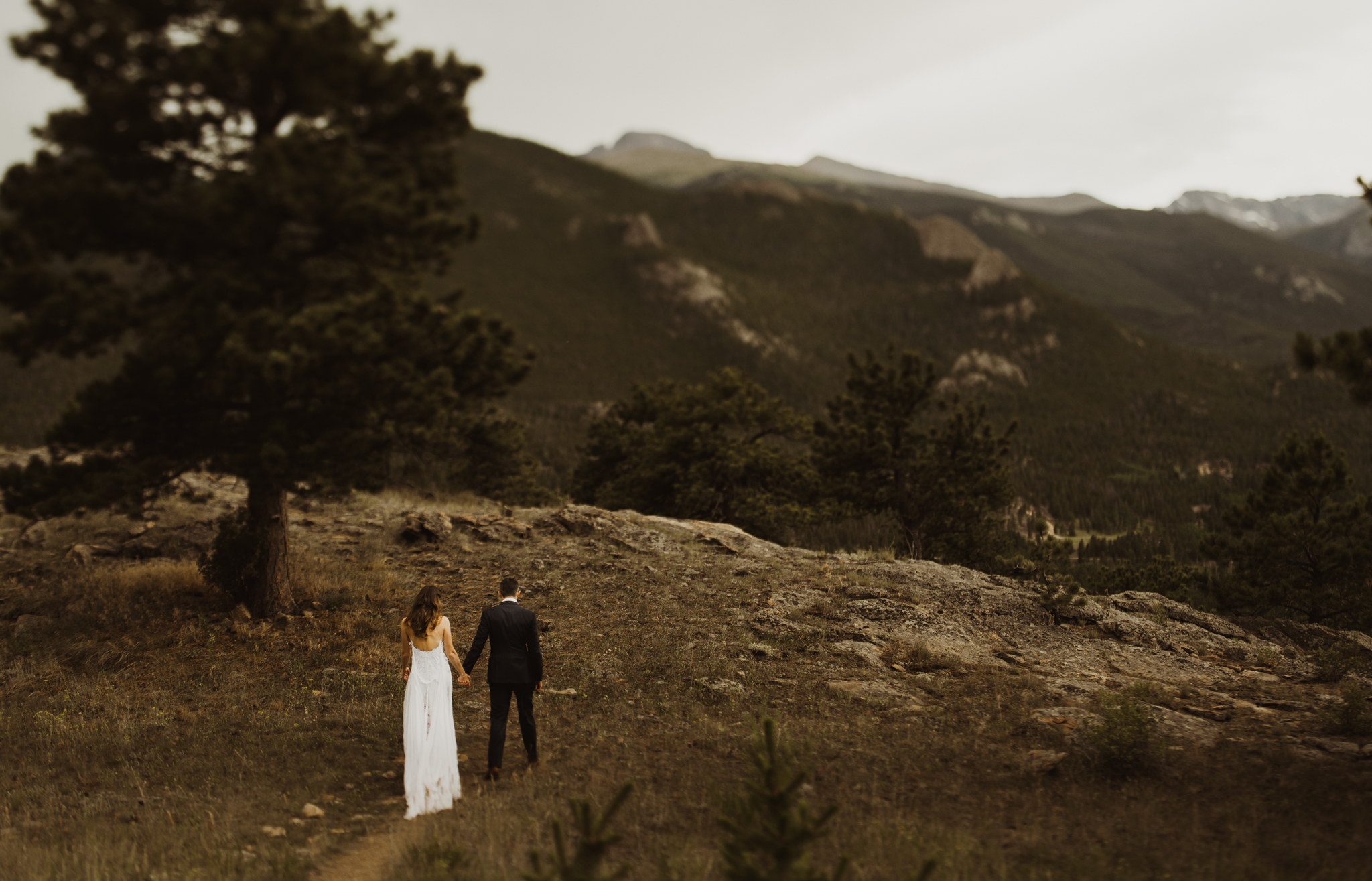 ©Isaiah + Taylor Photography - Estes National Park Adventure Elopement, Colorado Rockies-122.jpg