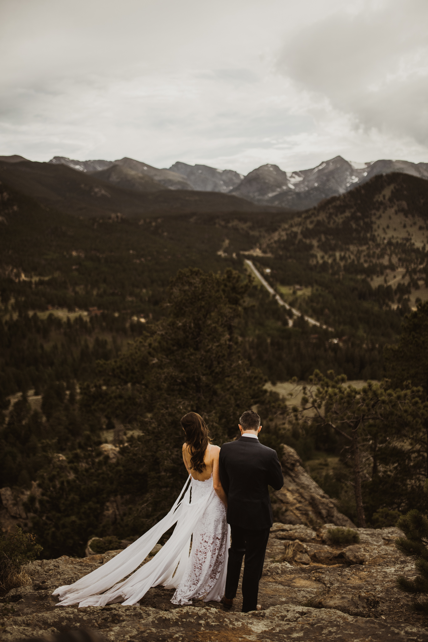 ©Isaiah + Taylor Photography - Estes National Park Adventure Elopement, Colorado Rockies-129.jpg