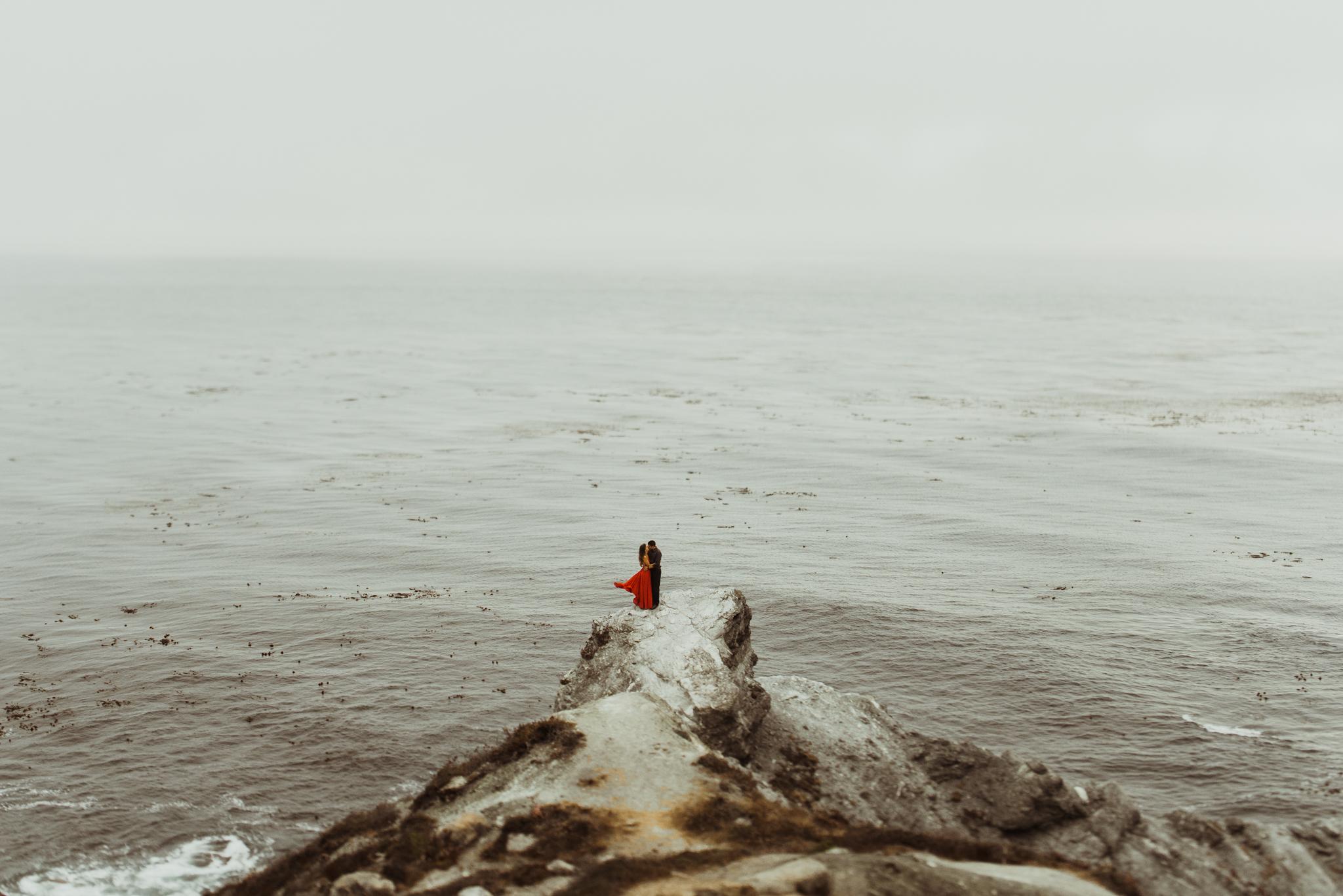 ©Isaiah + Taylor Photography - Big Sur Wedding Engagement Photographer-57.jpg