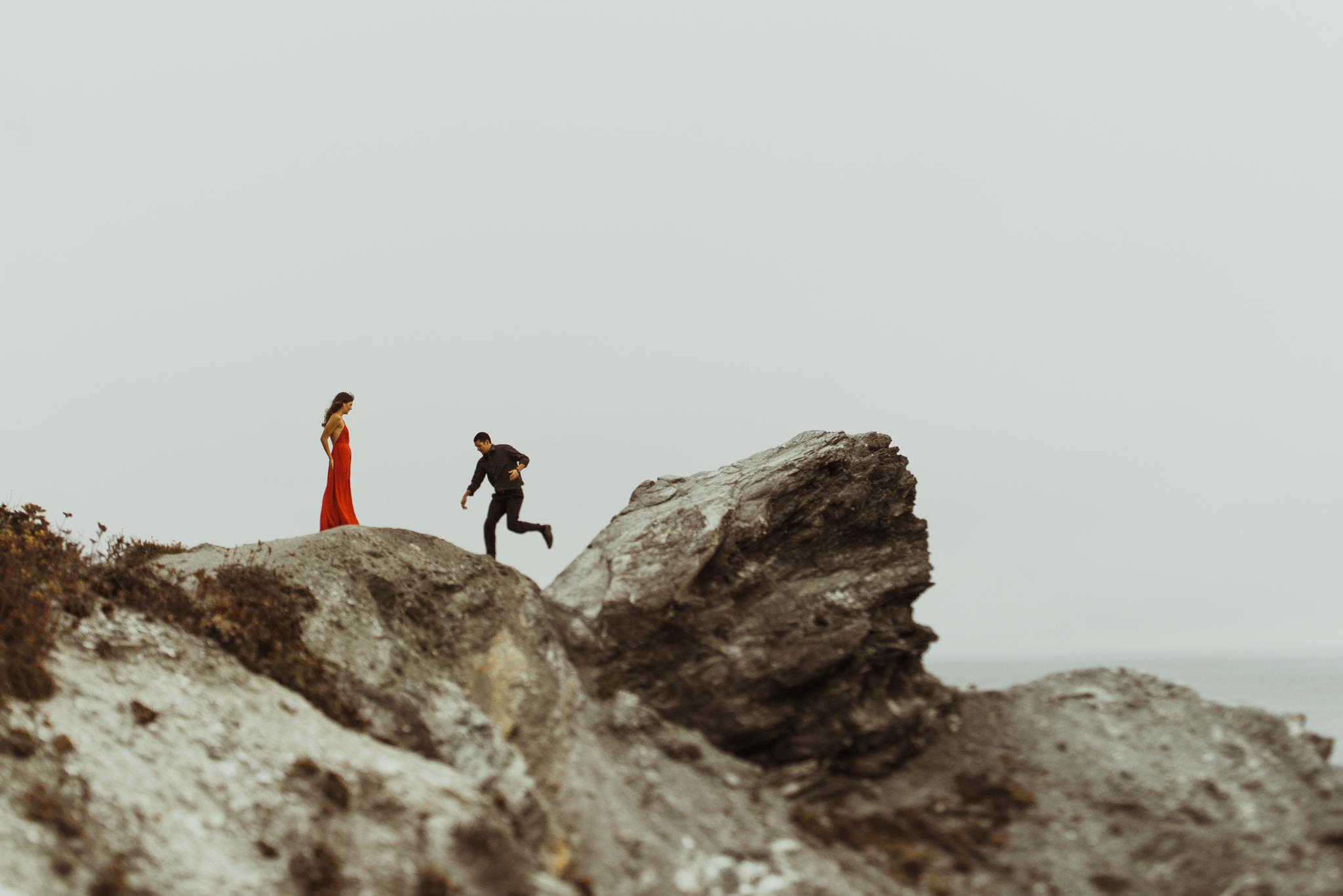 ©Isaiah + Taylor Photography - Big Sur Wedding Engagement Photographer-62.jpg