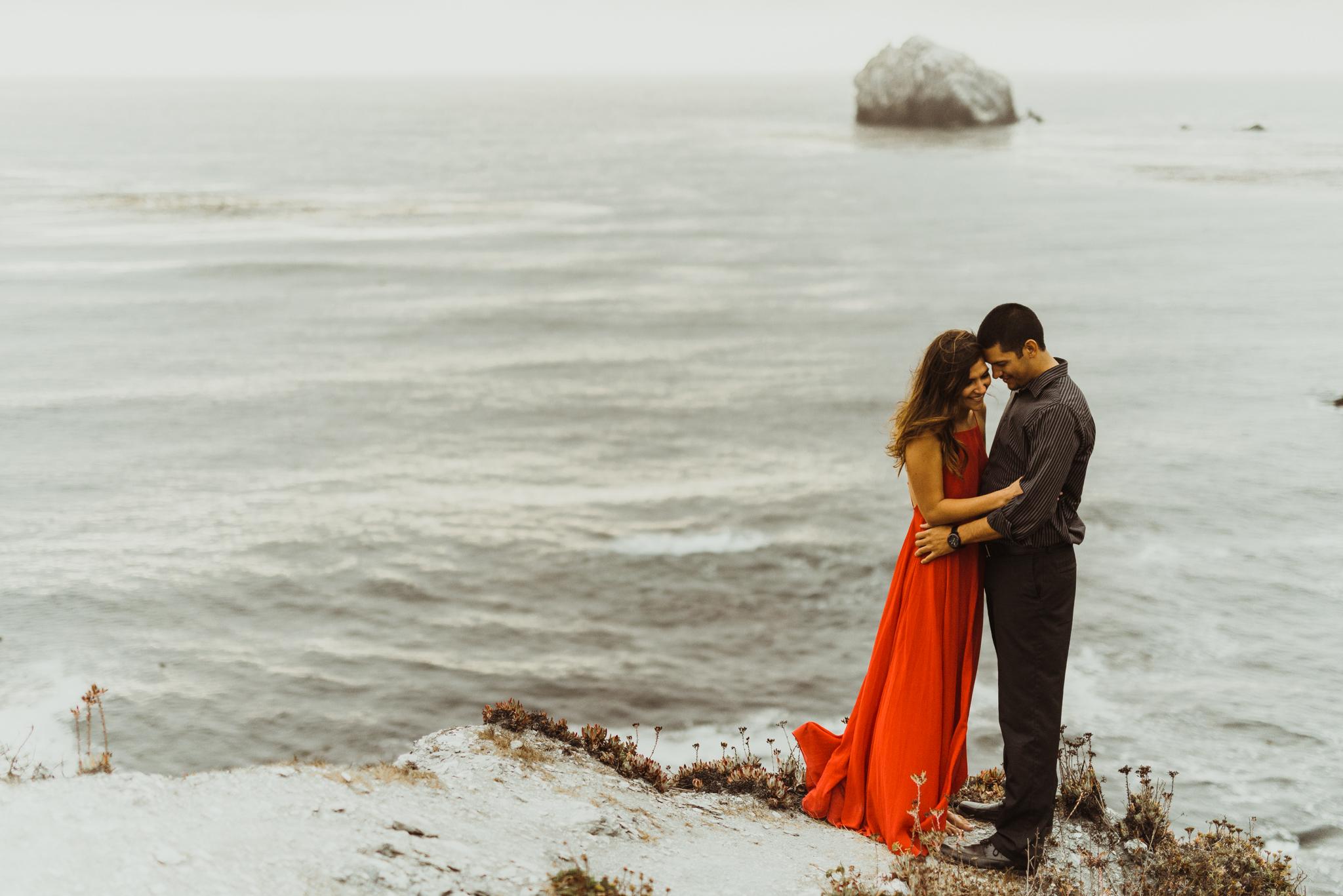 ©Isaiah + Taylor Photography - Big Sur Wedding Engagement Photographer-77.jpg
