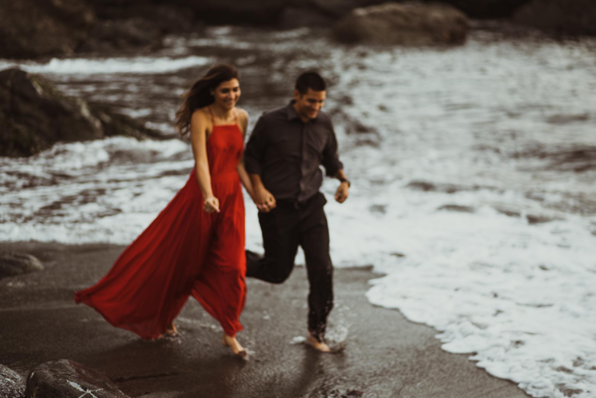 ©Isaiah + Taylor Photography - Big Sur Wedding Engagement Photographer-101.jpg