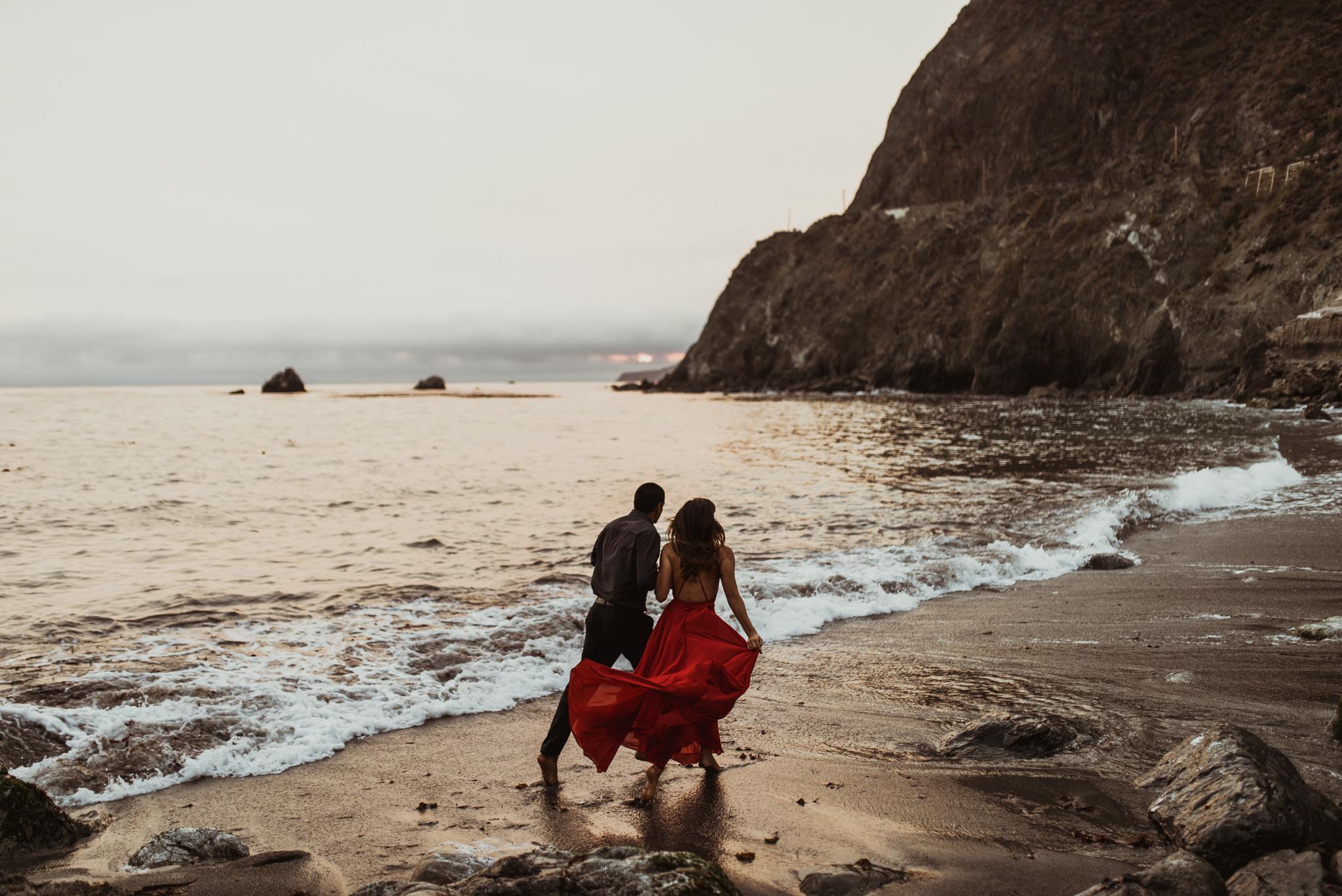 ©Isaiah + Taylor Photography - Big Sur Wedding Engagement Photographer-102.jpg