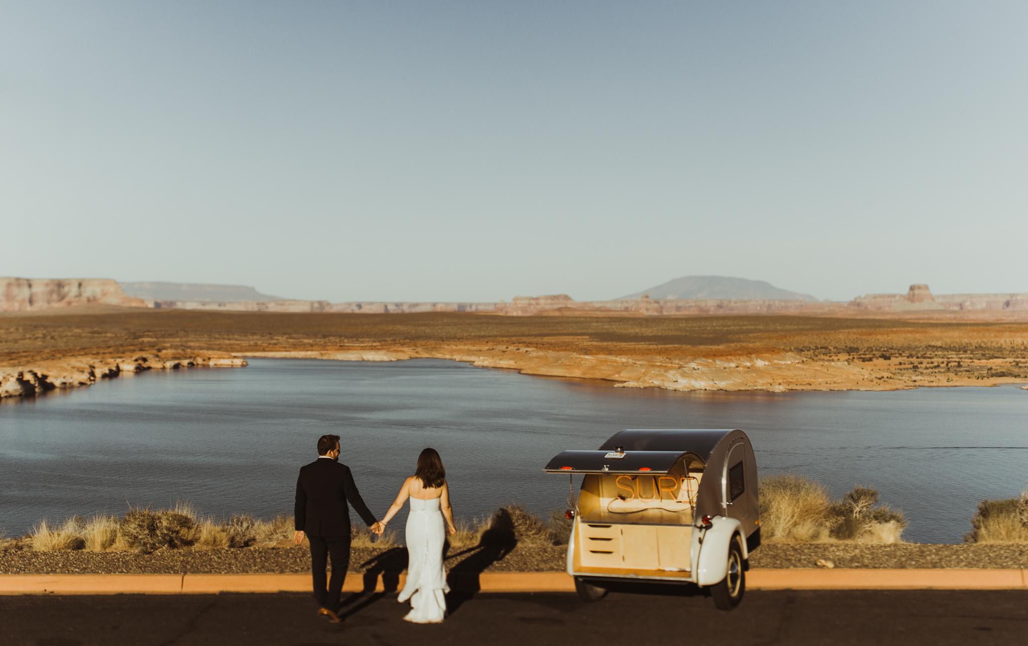 ©Isaiah + Taylor Photography - Lake Powell Elopement & Antelope Canyon & Horseshoe Bend, Page, Arizona-52.jpg