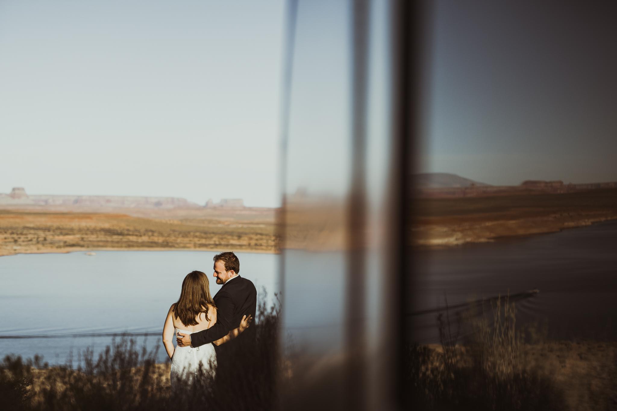 ©Isaiah + Taylor Photography - Lake Powell Elopement & Antelope Canyon & Horseshoe Bend, Page, Arizona-56.jpg