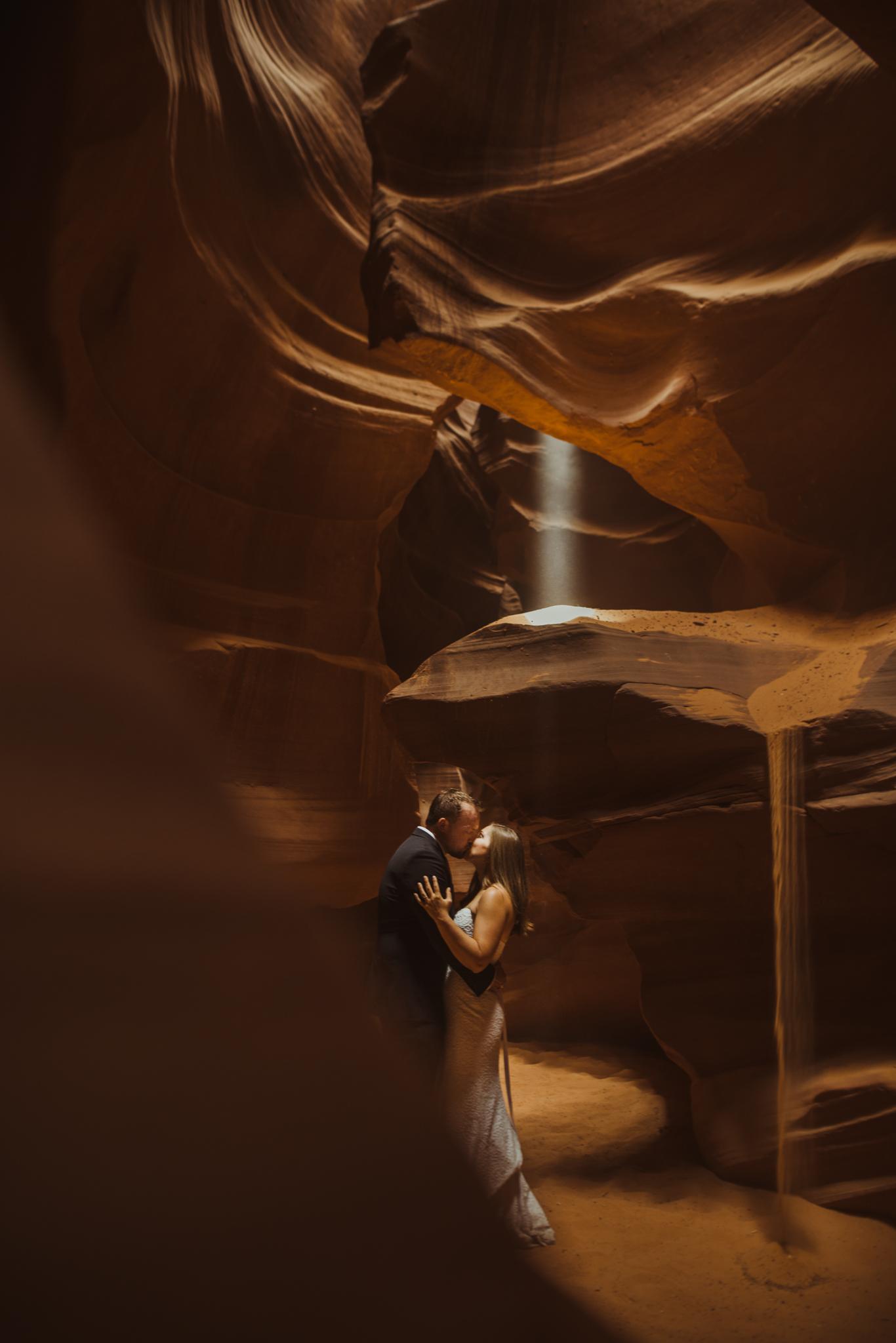©Isaiah + Taylor Photography - Lake Powell Elopement & Antelope Canyon & Horseshoe Bend, Page, Arizona-75.jpg