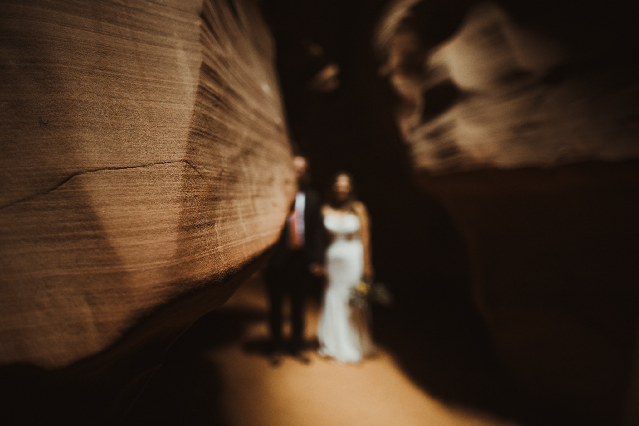 ©Isaiah + Taylor Photography - Lake Powell Elopement & Antelope Canyon & Horseshoe Bend, Page, Arizona-80.jpg