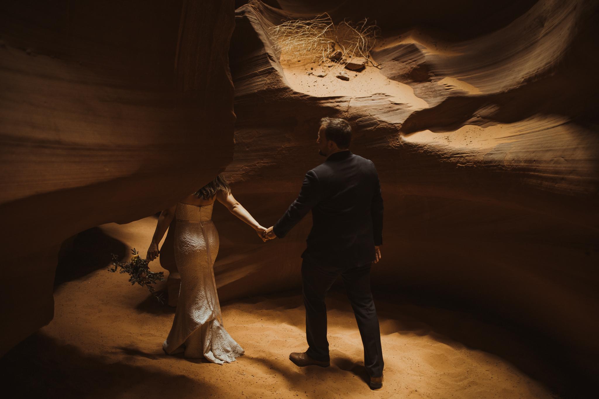 ©Isaiah + Taylor Photography - Lake Powell Elopement & Antelope Canyon & Horseshoe Bend, Page, Arizona-81.jpg