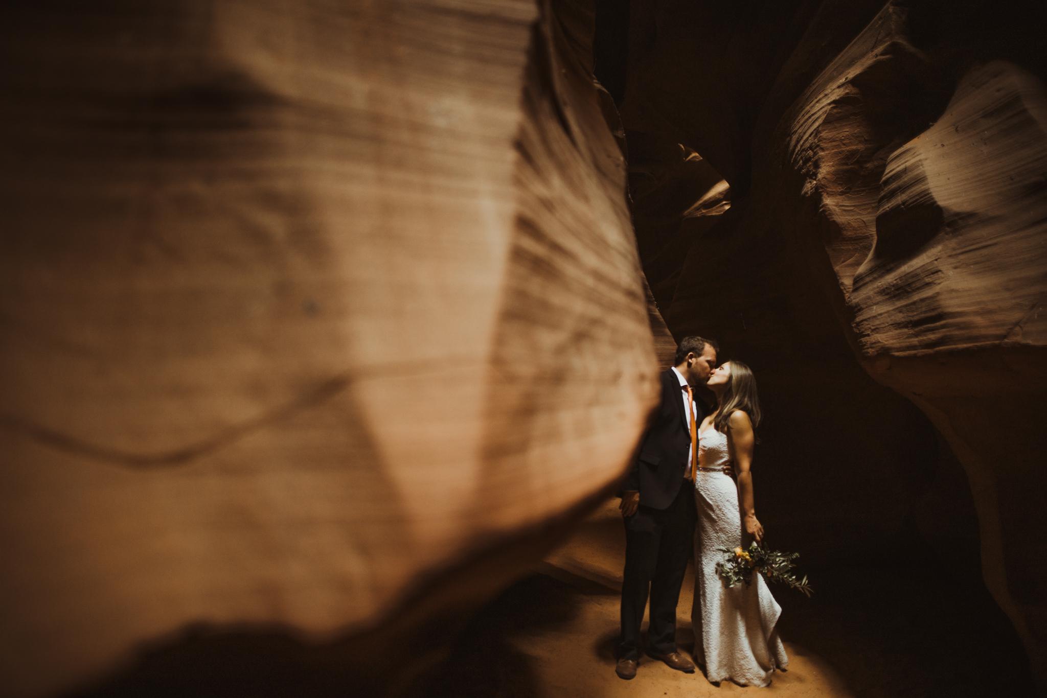 ©Isaiah + Taylor Photography - Lake Powell Elopement & Antelope Canyon & Horseshoe Bend, Page, Arizona-82.jpg