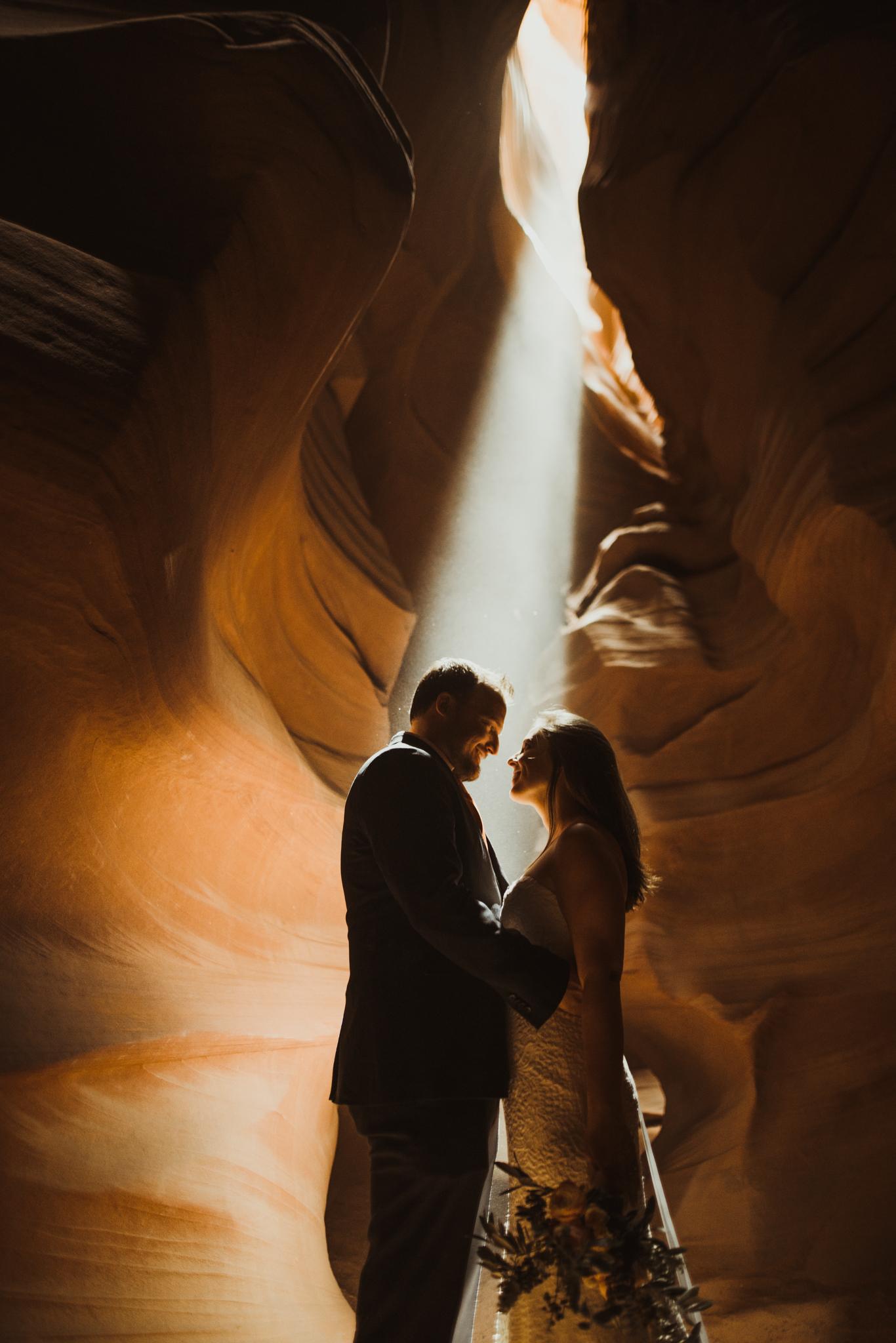 ©Isaiah + Taylor Photography - Lake Powell Elopement & Antelope Canyon & Horseshoe Bend, Page, Arizona-85.jpg