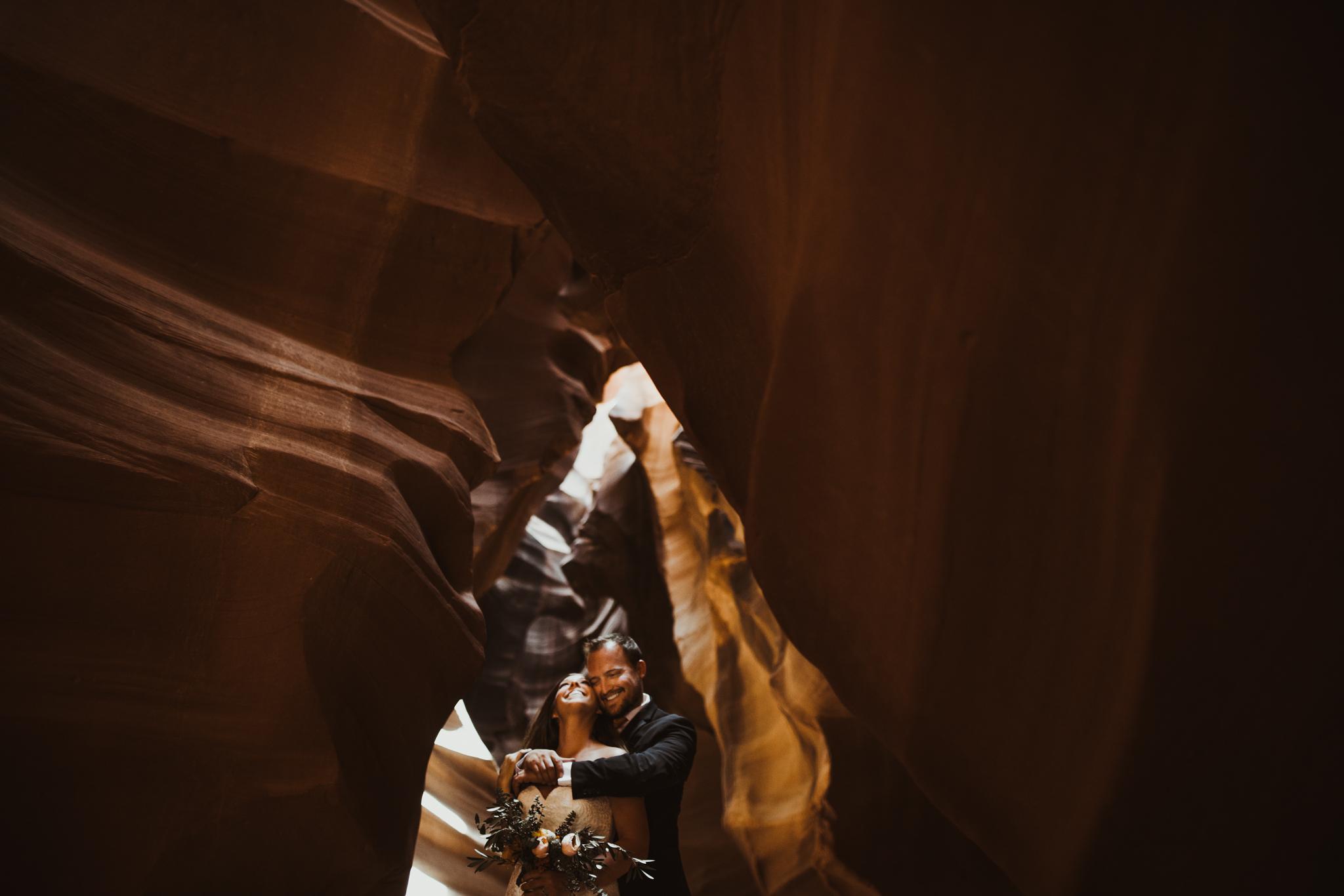 ©Isaiah + Taylor Photography - Lake Powell Elopement & Antelope Canyon & Horseshoe Bend, Page, Arizona-88.jpg