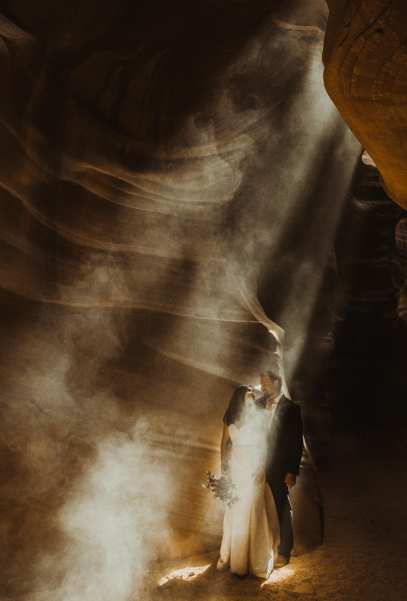 ©Isaiah + Taylor Photography - Lake Powell Elopement & Antelope Canyon & Horseshoe Bend, Page, Arizona-90.jpg