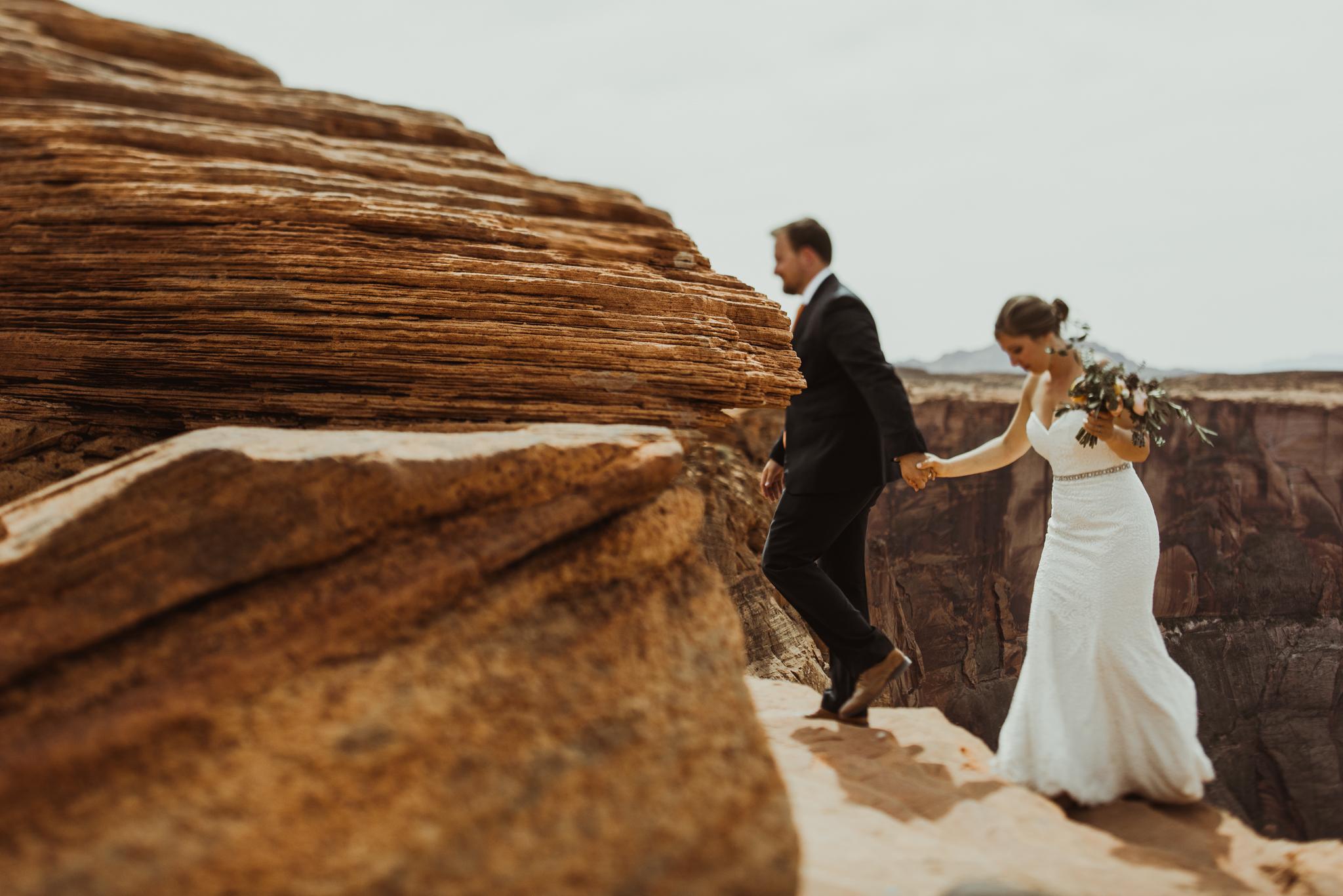 ©Isaiah + Taylor Photography - Lake Powell Elopement & Antelope Canyon & Horseshoe Bend, Page, Arizona-106.jpg