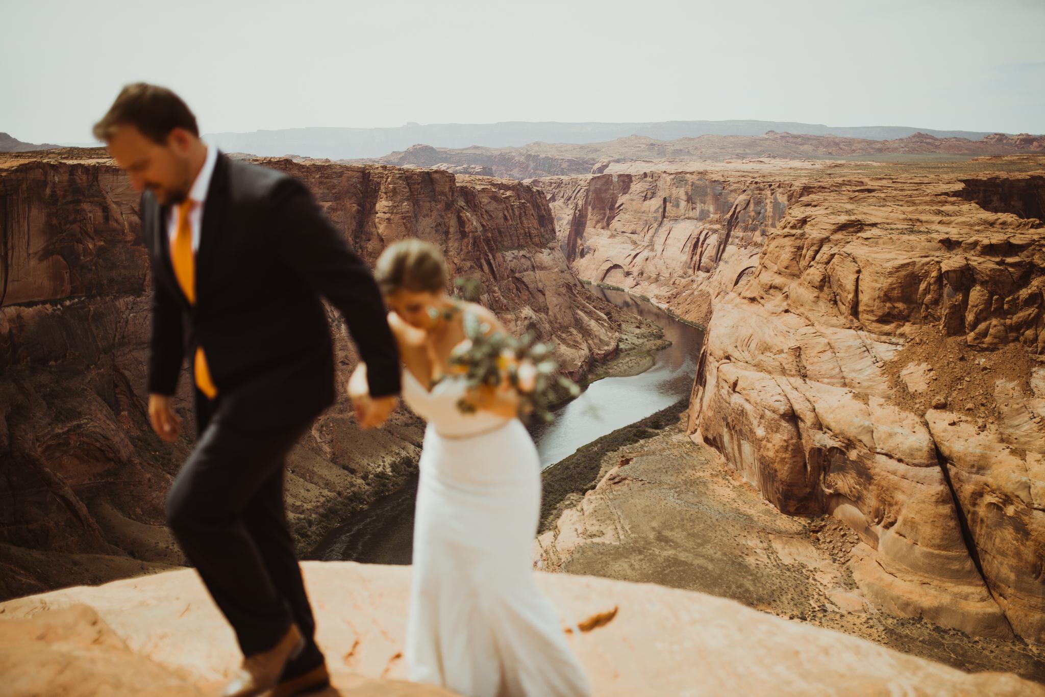 ©Isaiah + Taylor Photography - Lake Powell Elopement & Antelope Canyon & Horseshoe Bend, Page, Arizona-108.jpg