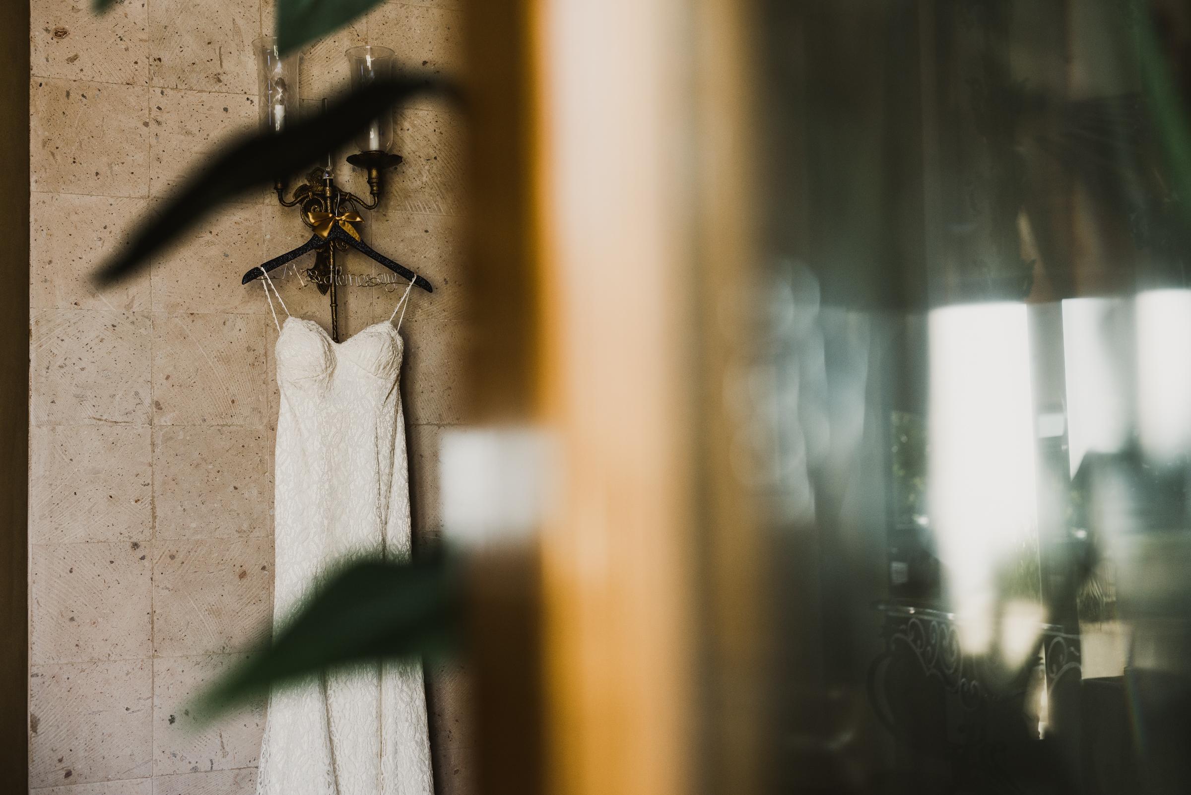 ©Isaiah + Taylor Photography - Rosarito Beach Destination Wedding, Mexico-0005.jpg