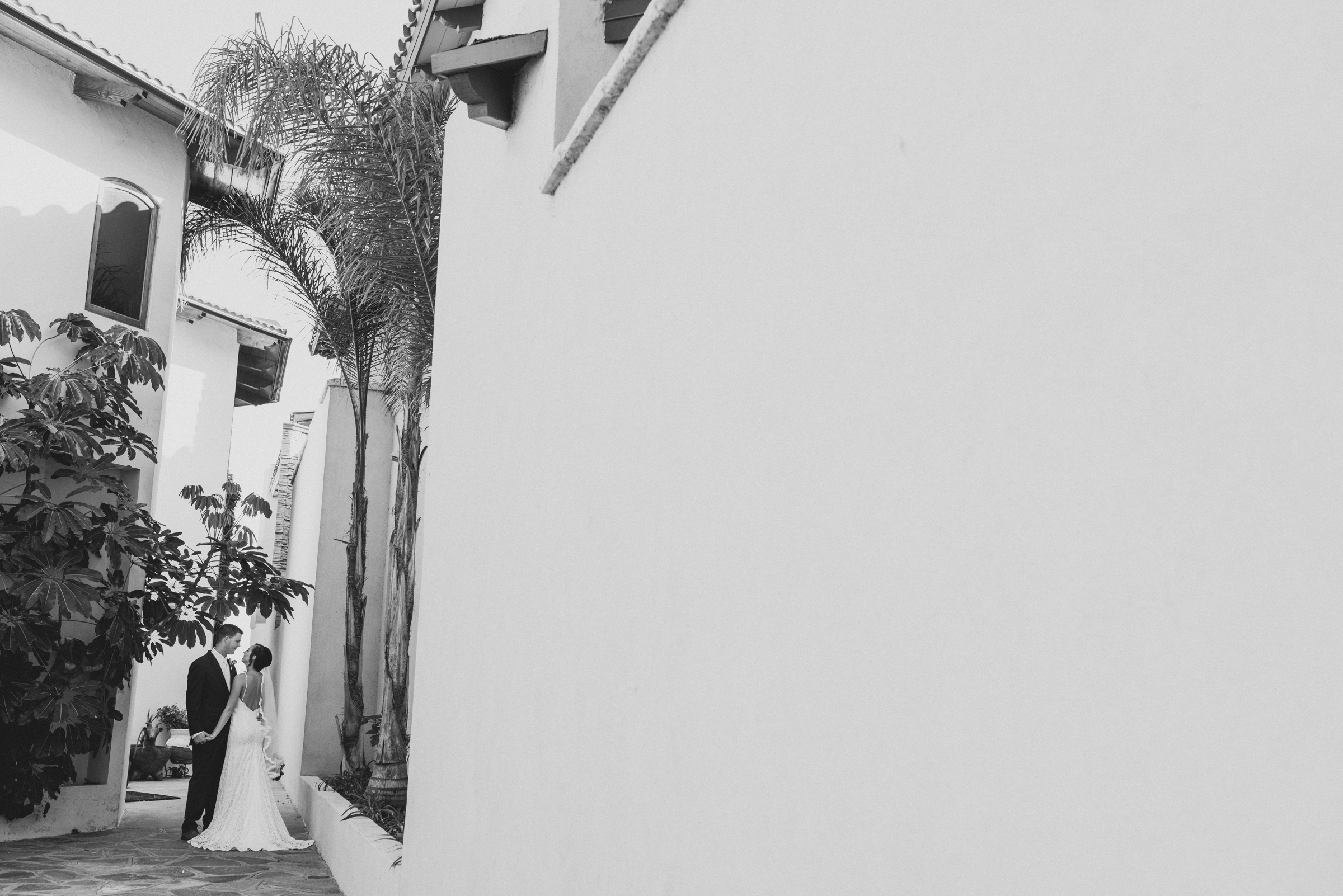 ©Isaiah + Taylor Photography - Rosarito Beach Destination Wedding, Mexico-0044.jpg